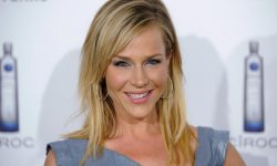 Julie Benz widescreen wallpapers