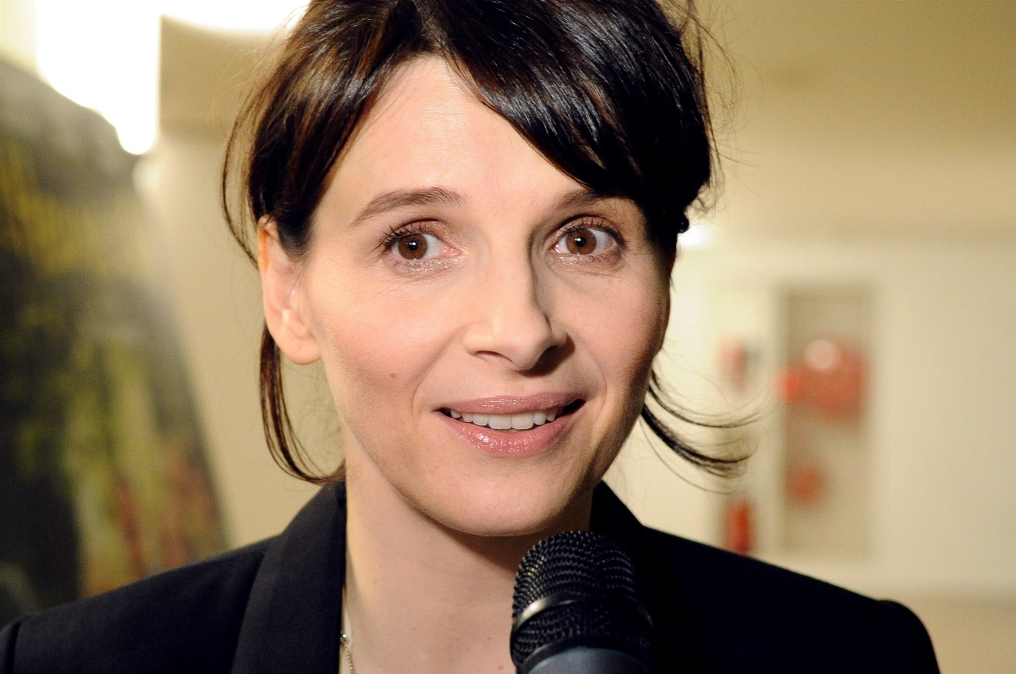 Juliette Binoche widescreen wallpapers