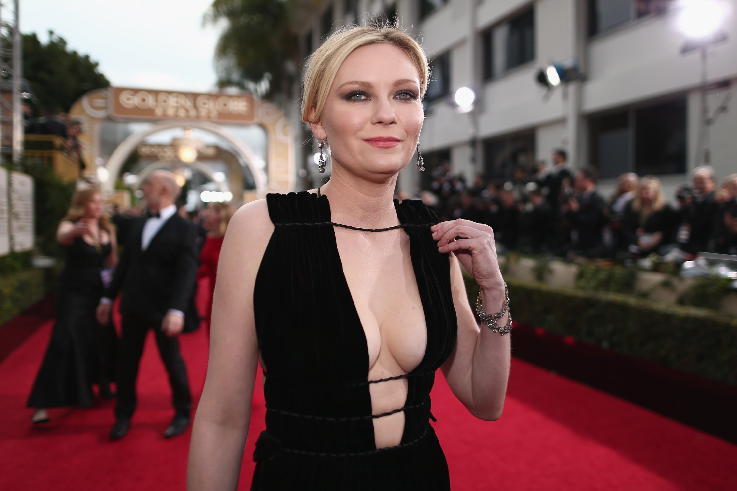 Kirsten Dunst widescreen wallpapers