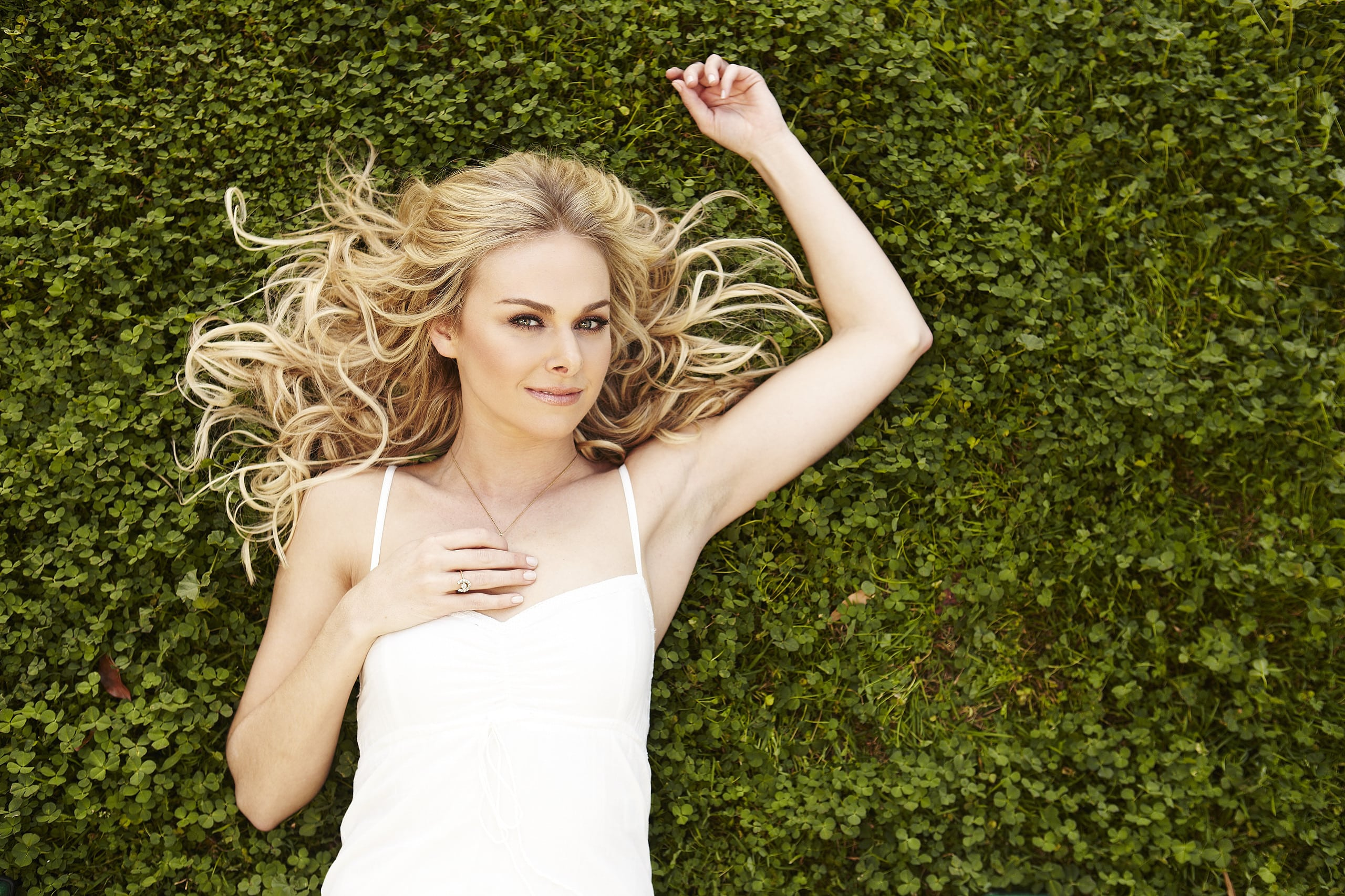 Laura Bell Bundy widescreen wallpapers