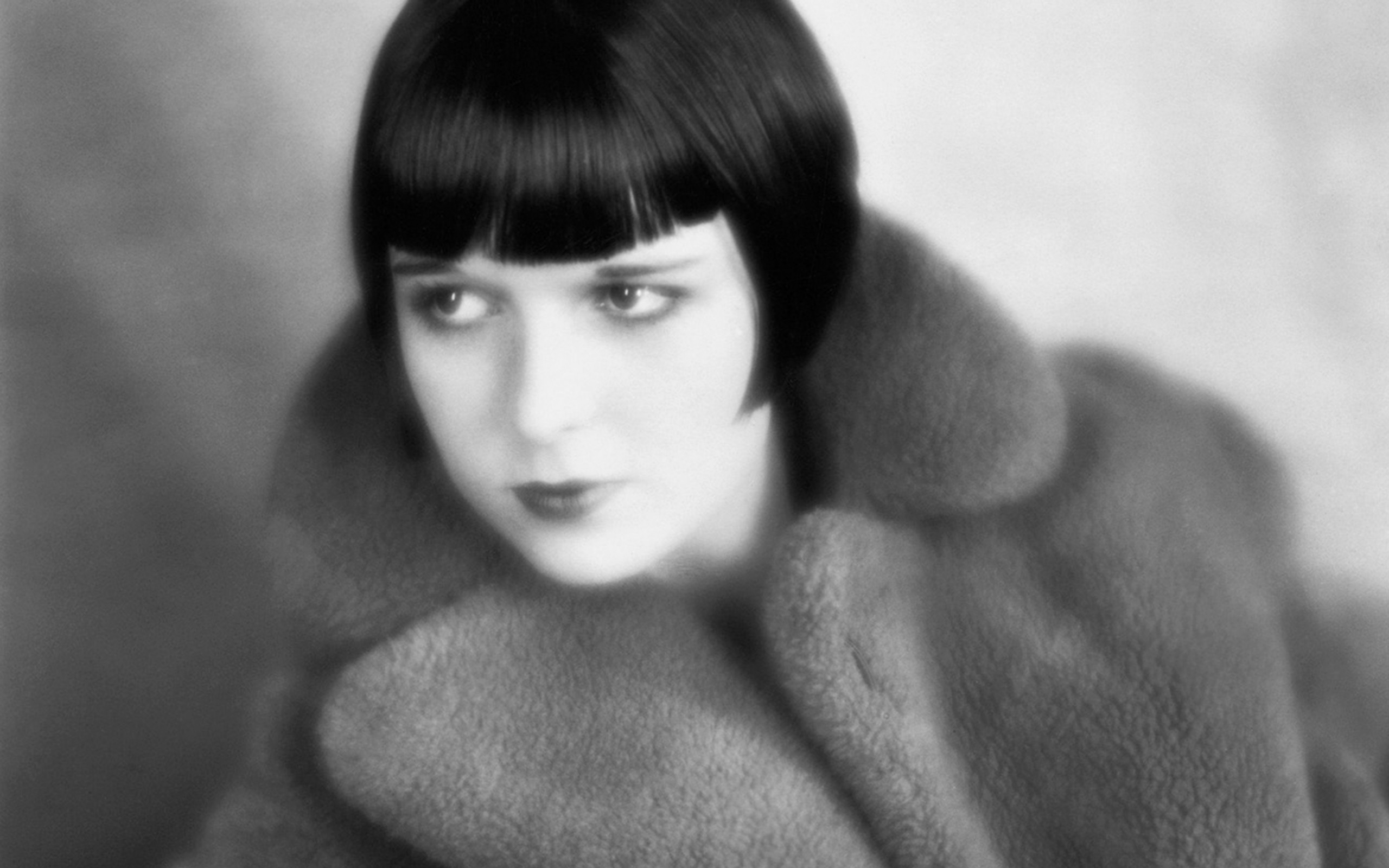 Louise Brooks widescreen wallpapers