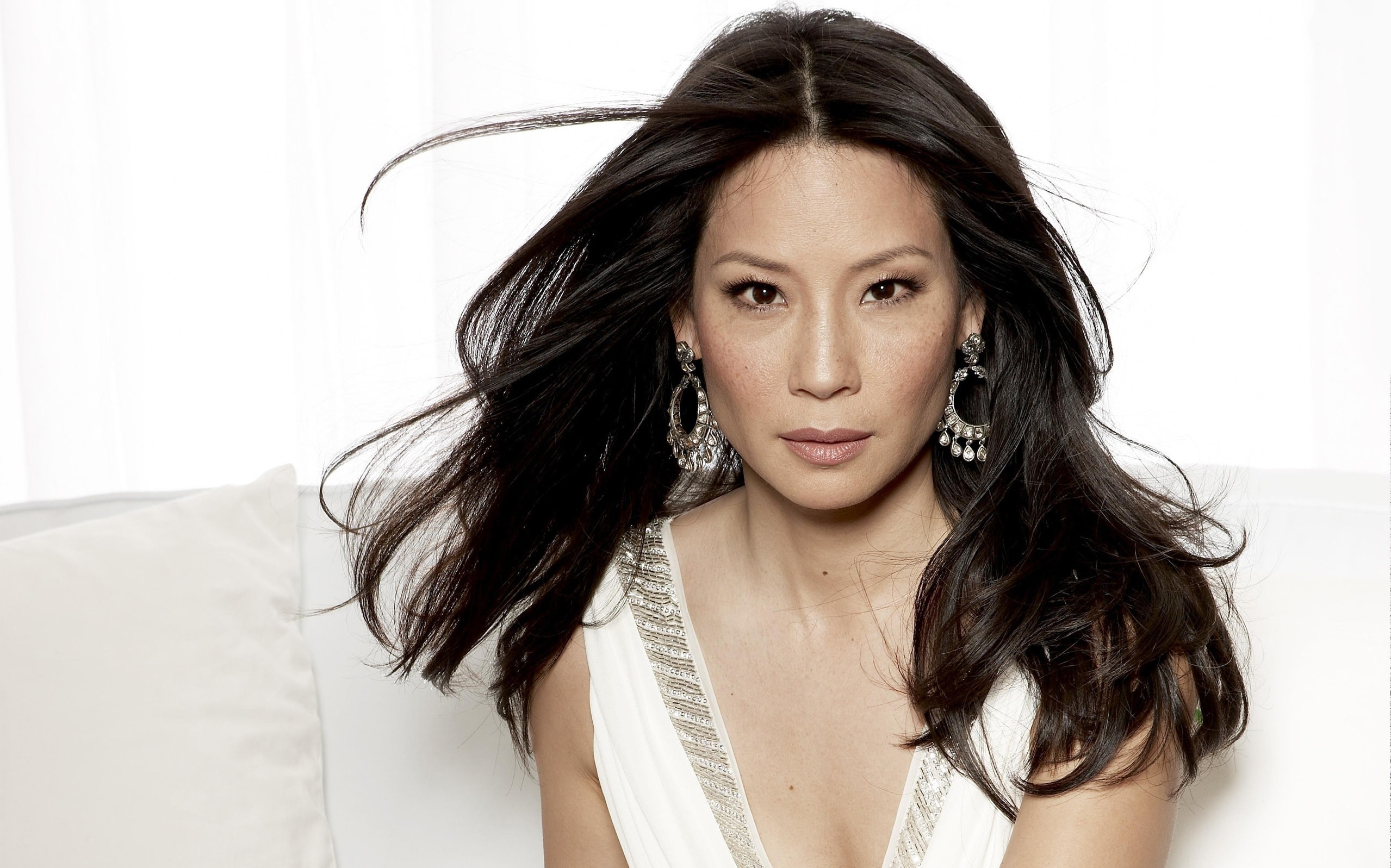 Lucy Liu widescreen wallpapers