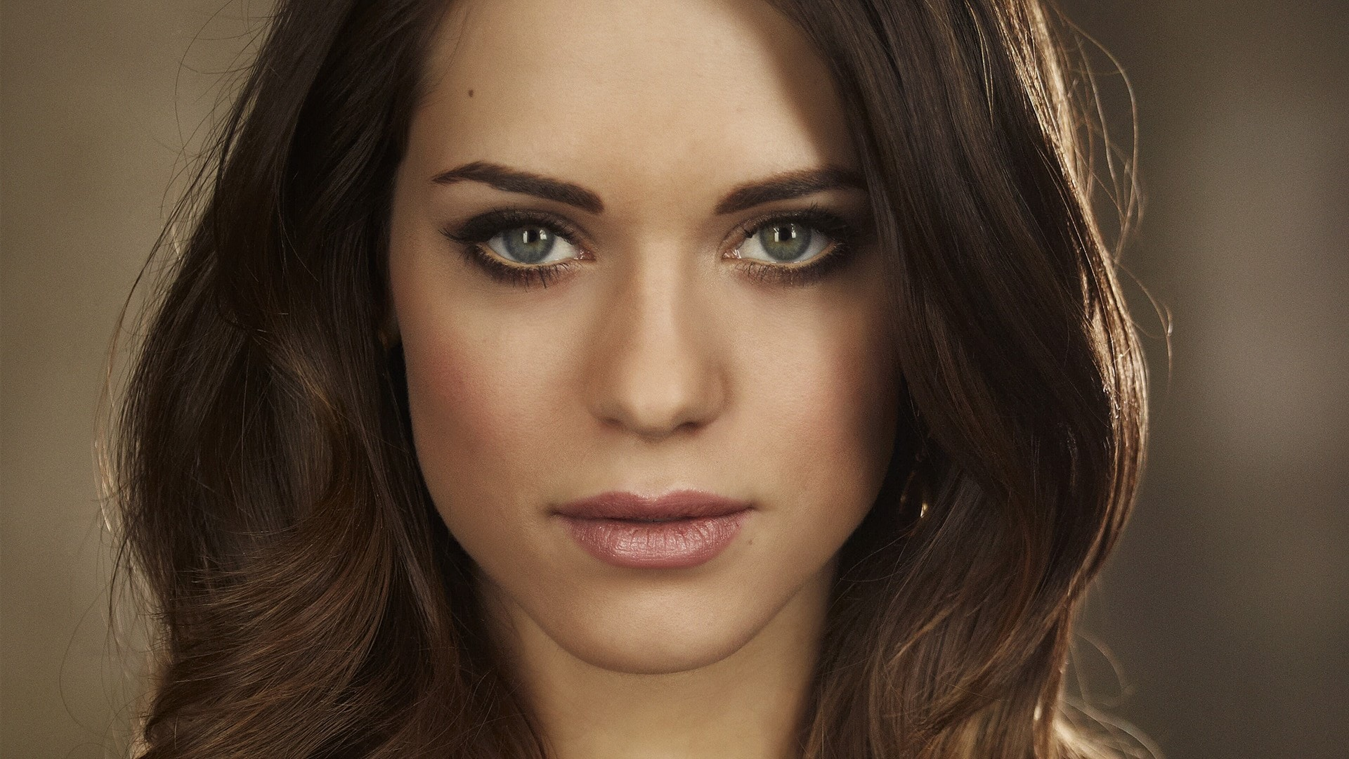 Lyndsy Fonseca widescreen wallpapers