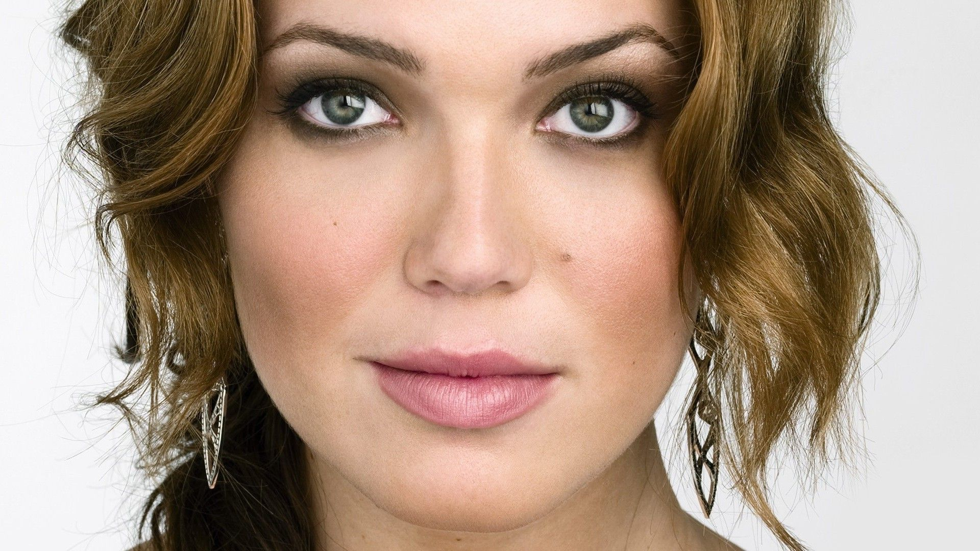 Mandy Moore widescreen wallpapers