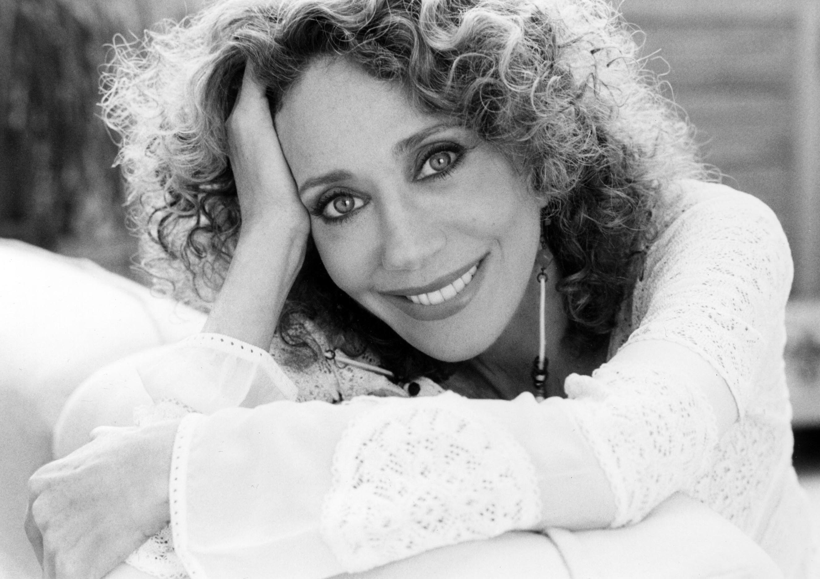 Marisa Berenson widescreen wallpapers