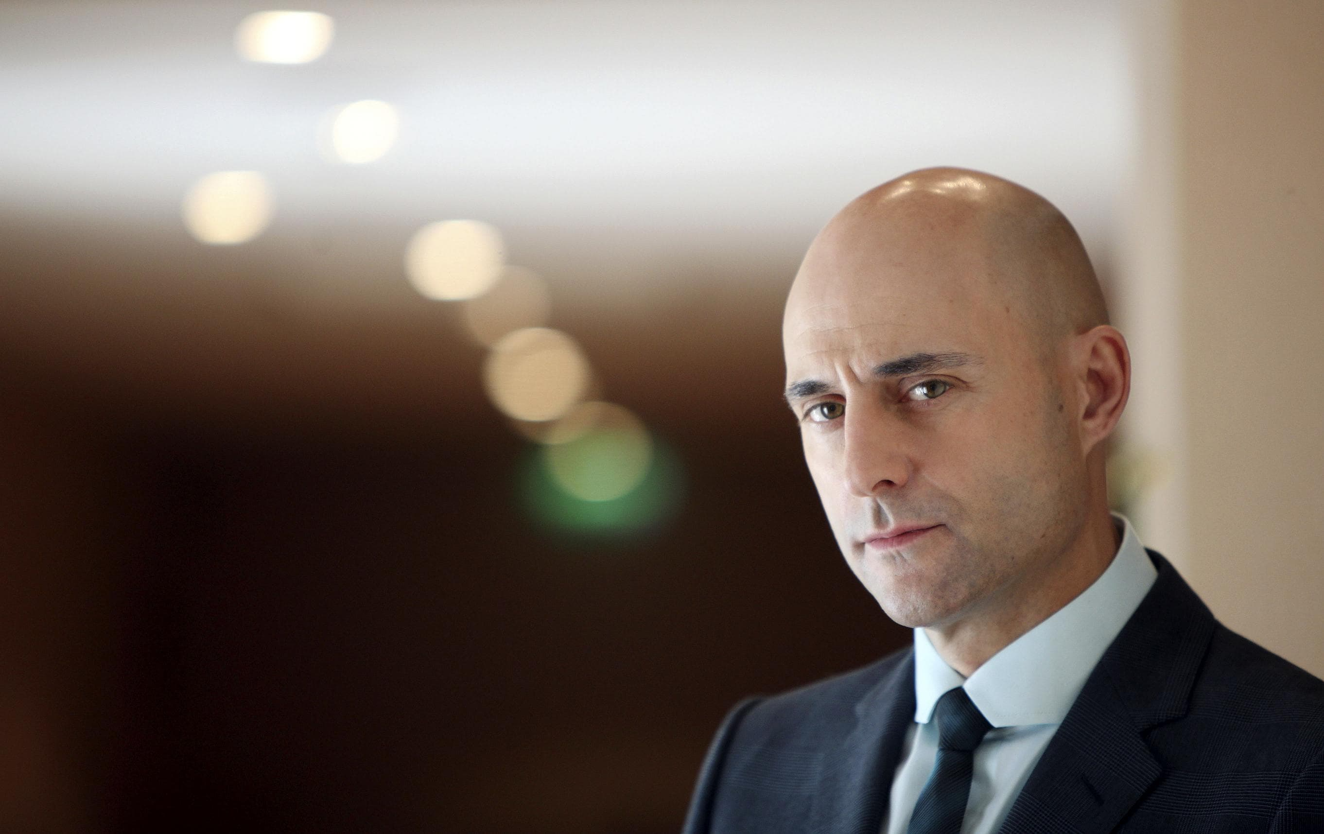 Mark Strong widescreen wallpapers