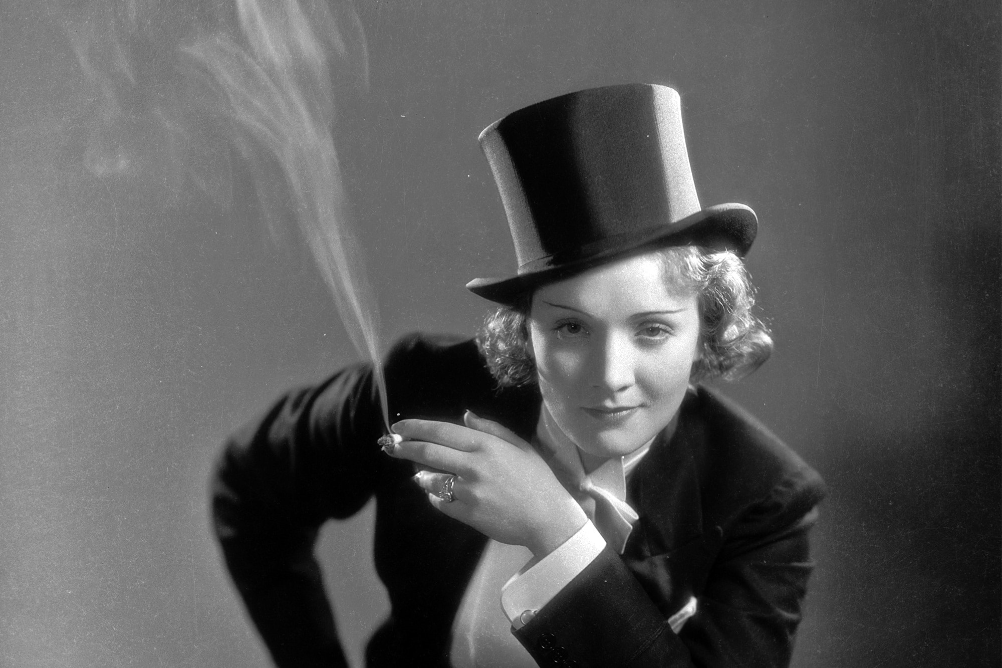 Marlene Dietrich widescreen wallpapers
