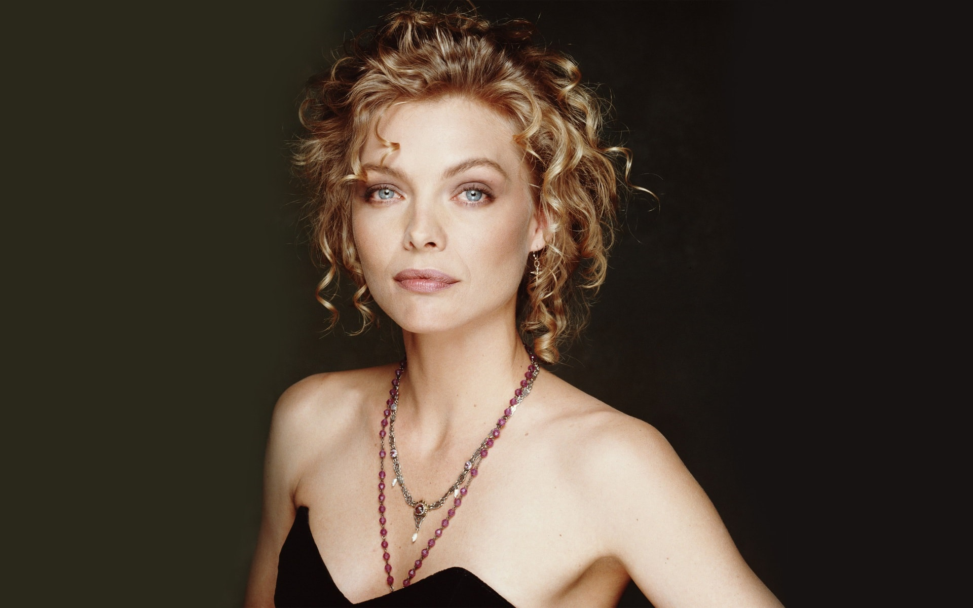 Michelle Pfeiffer widescreen wallpapers