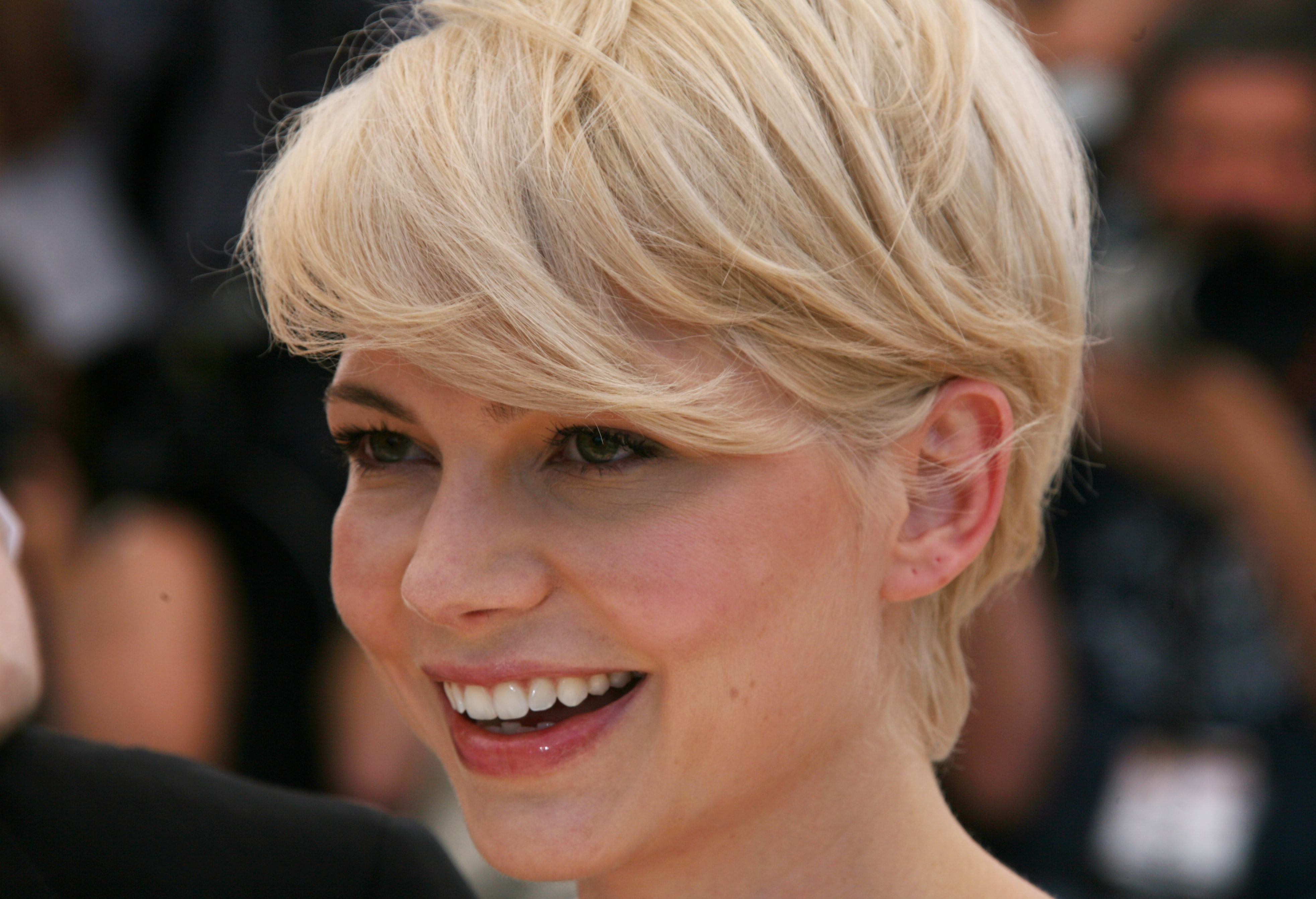 Michelle Williams widescreen wallpapers