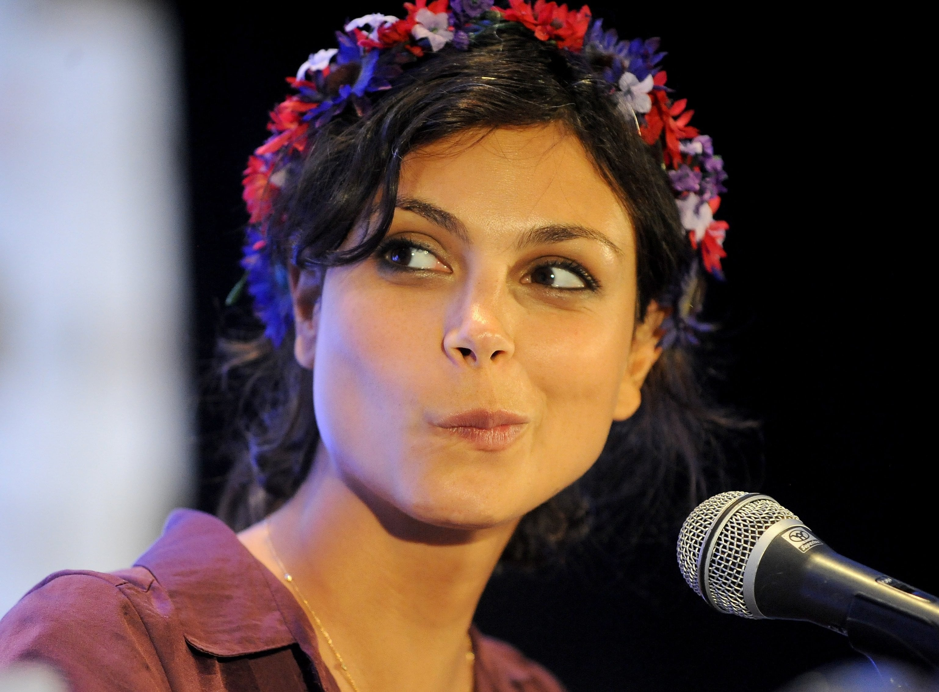 Morena Baccarin widescreen wallpapers