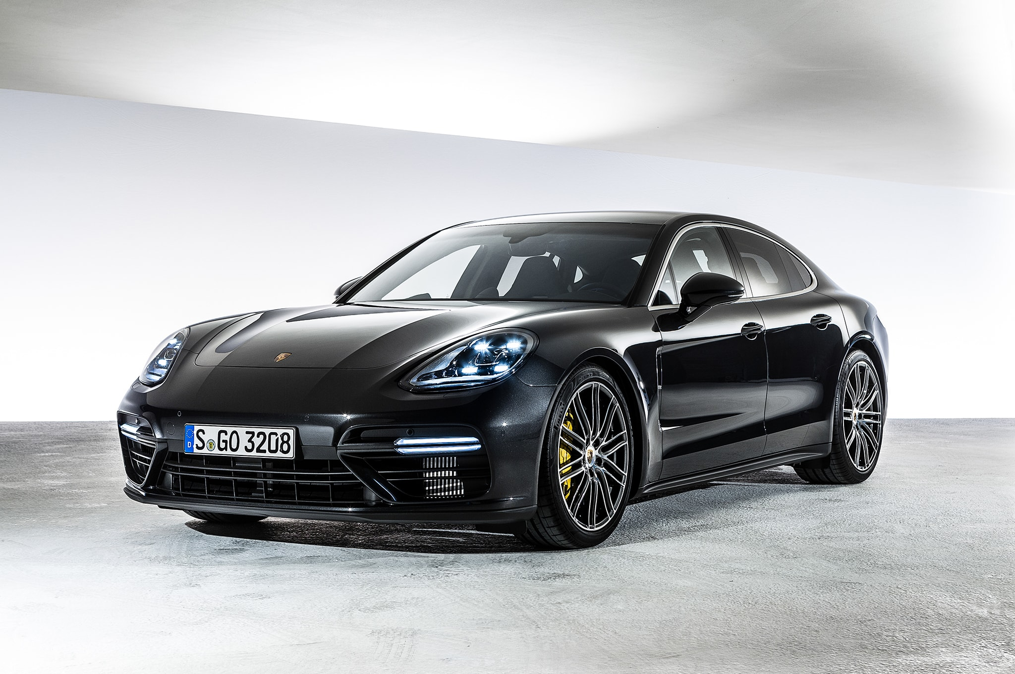 Porsche Panamera 2 Wallpapers Widescreen