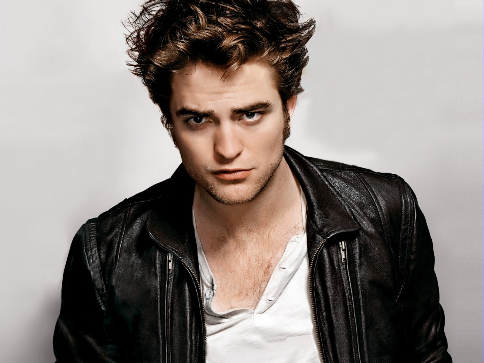 Robert Pattinson widescreen wallpapers