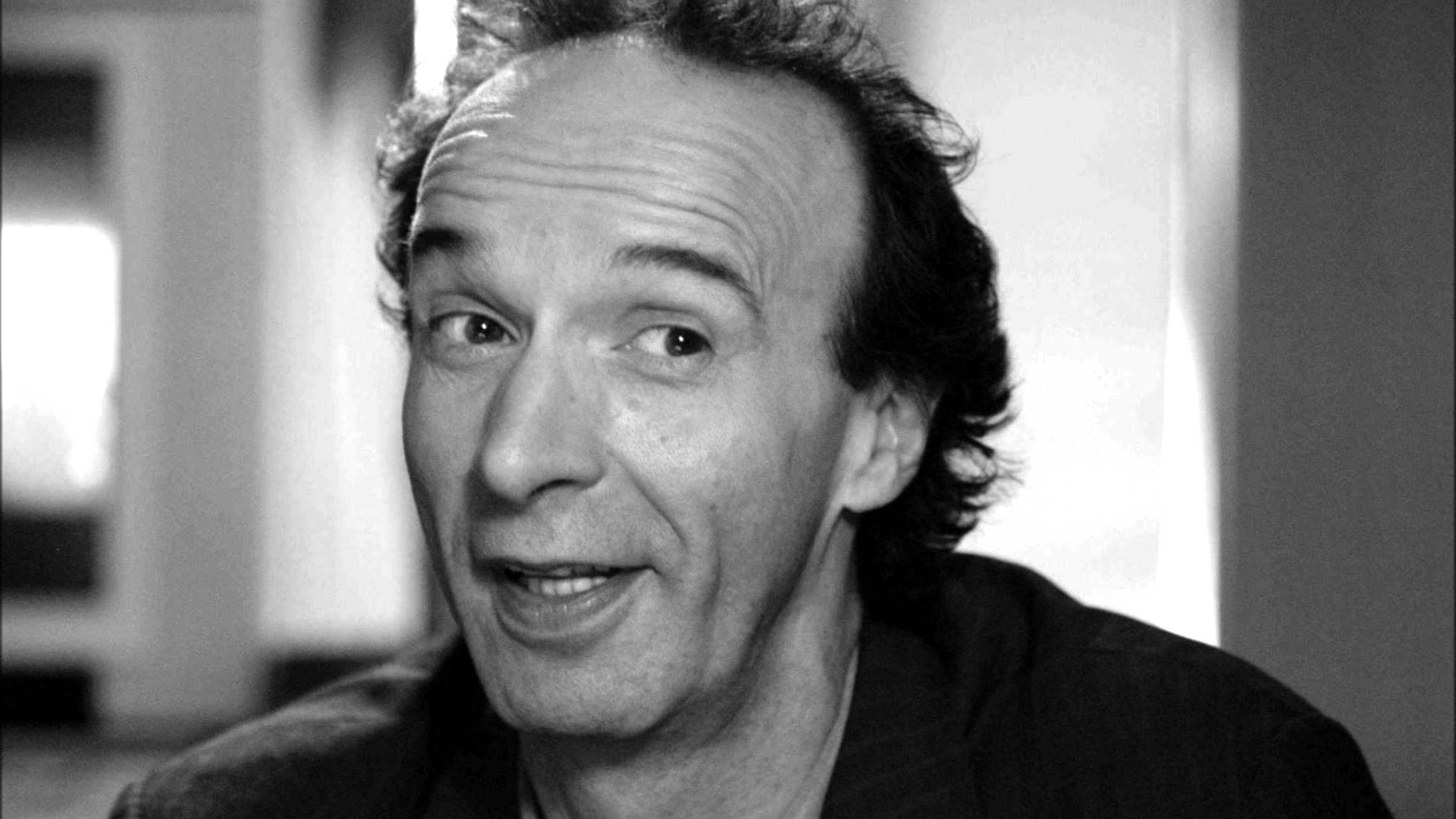 Roberto Benigni widescreen wallpapers