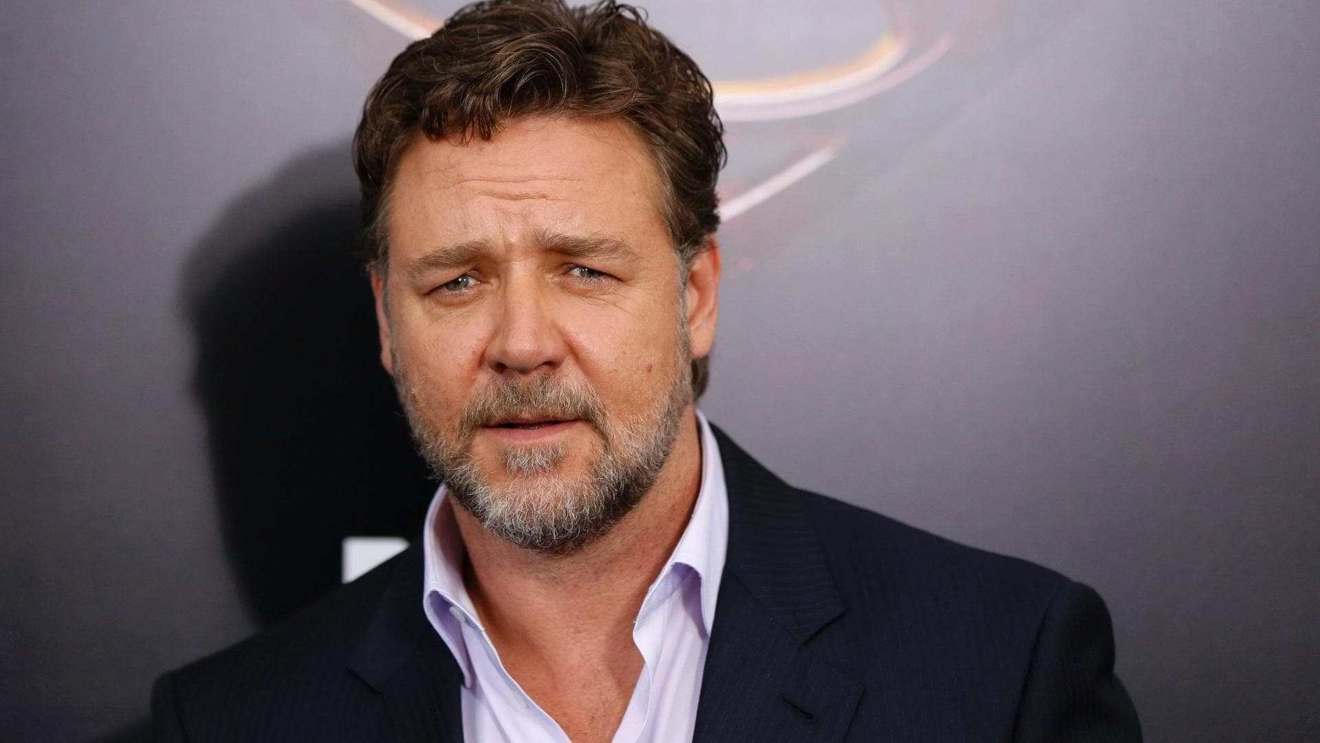Russell Crowe widescreen wallpapers