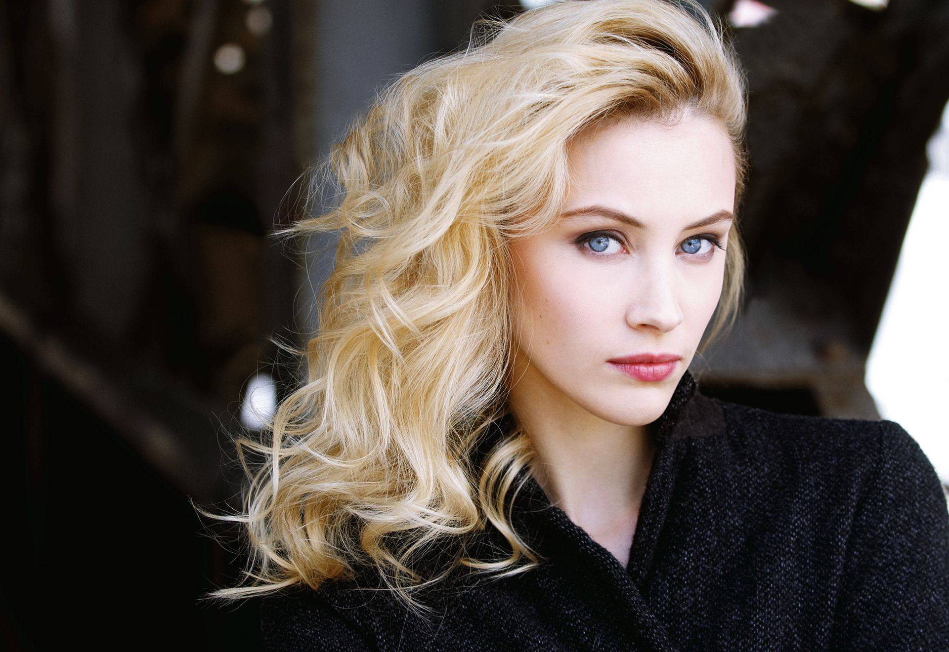 Sarah Gadons widescreen wallpapers