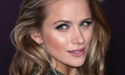 Shantel VanSanten widescreen wallpapers