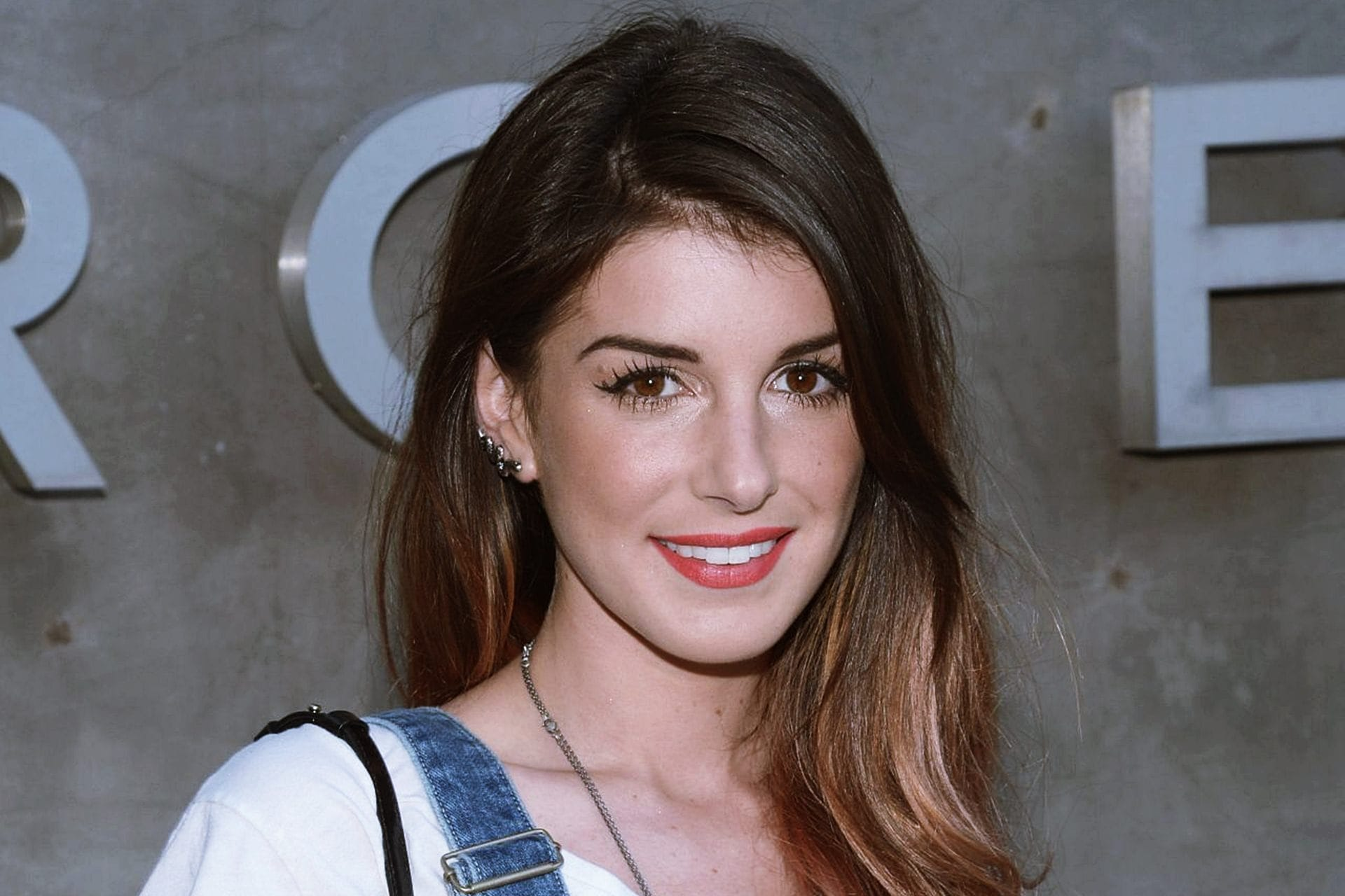 Shenae Grimes widescreen wallpapers