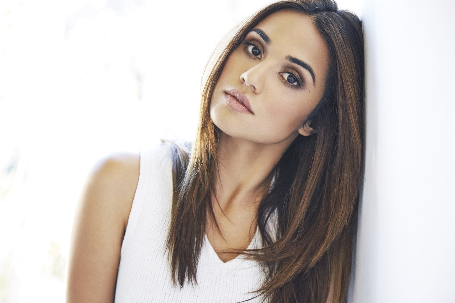 Summer Bishil widescreen wallpapers