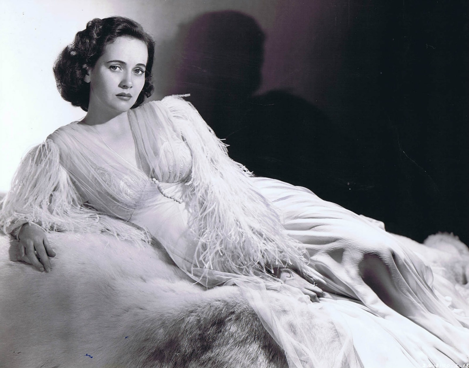 Teresa Wright widescreen wallpapers