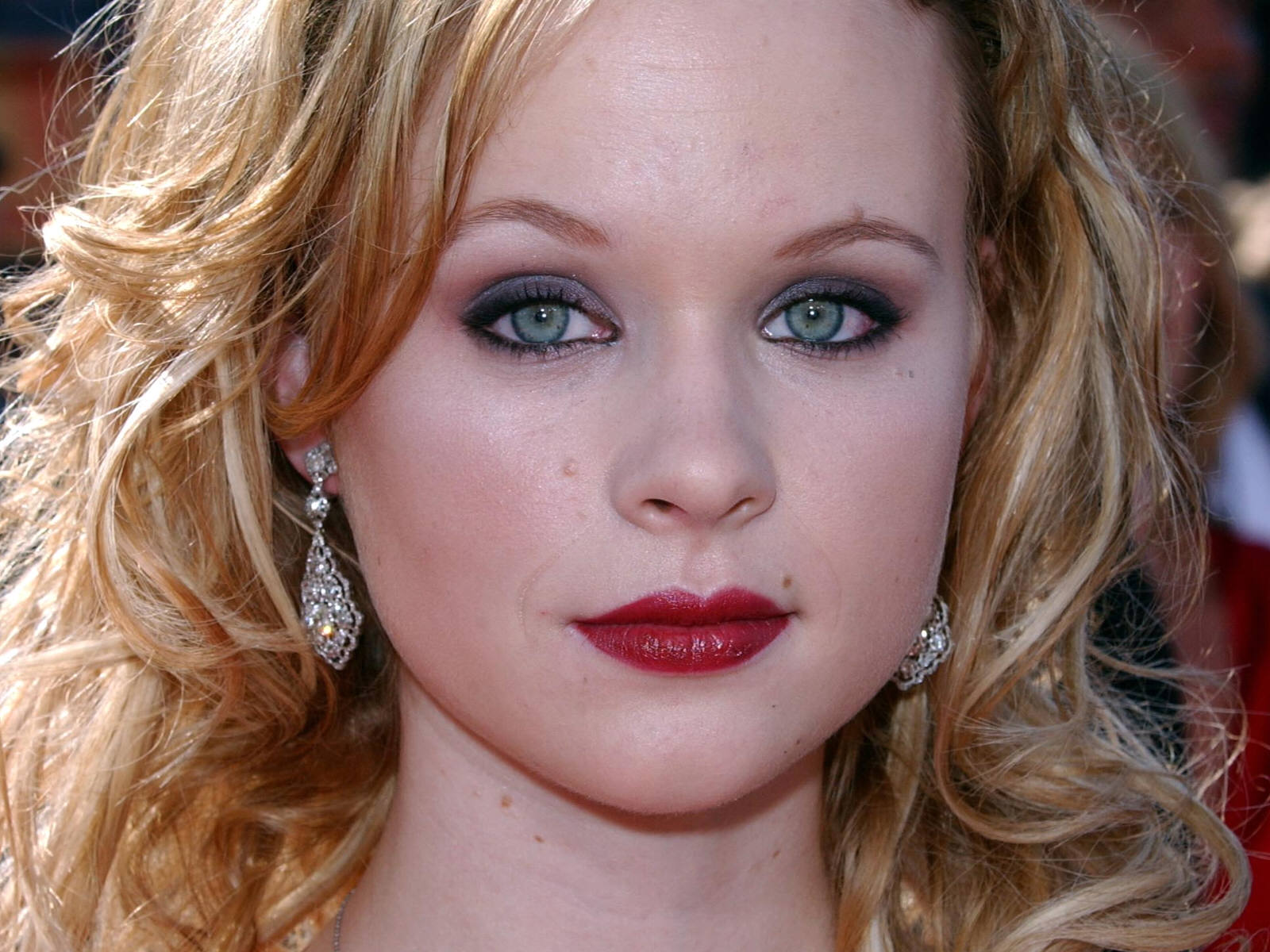 Thora Birch widescreen wallpapers