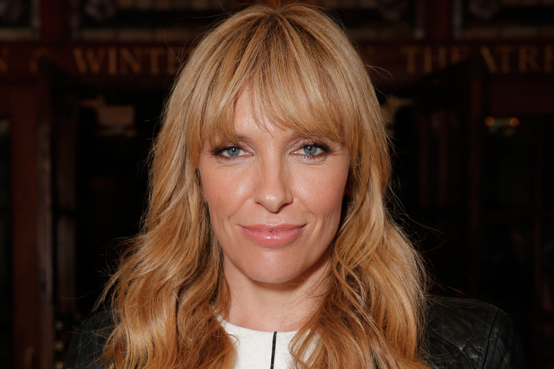 Toni Collette widescreen wallpapers