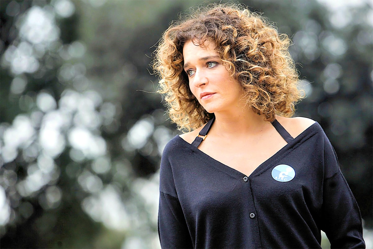 Valeria Golino widescreen wallpapers