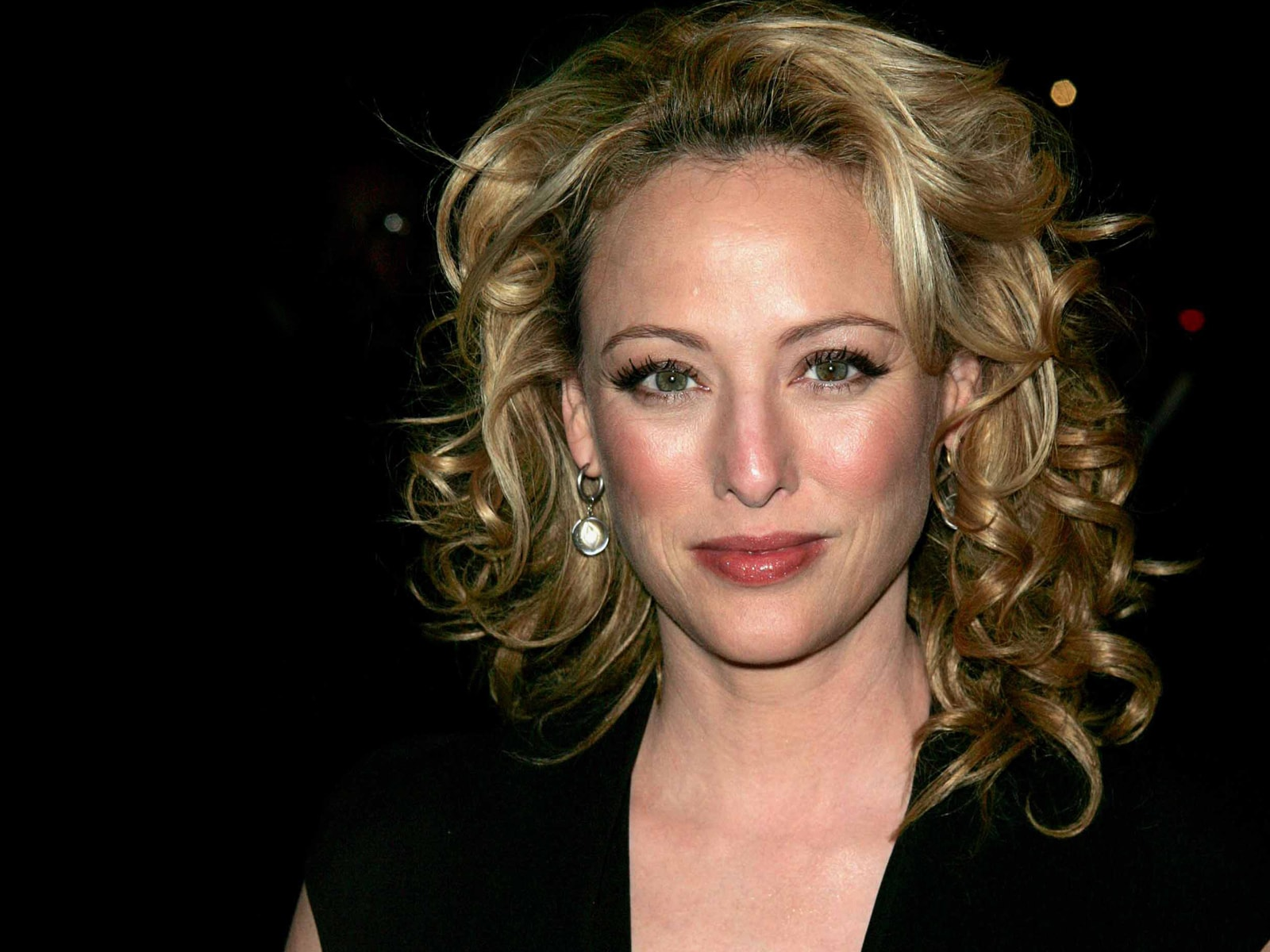 Virginia Madsen widescreen wallpapers