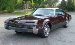 1966 Oldsmobile Toronado Pictures