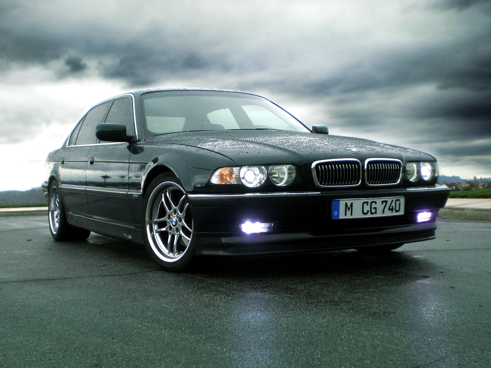 1995 BMW 7 Series Screensavers