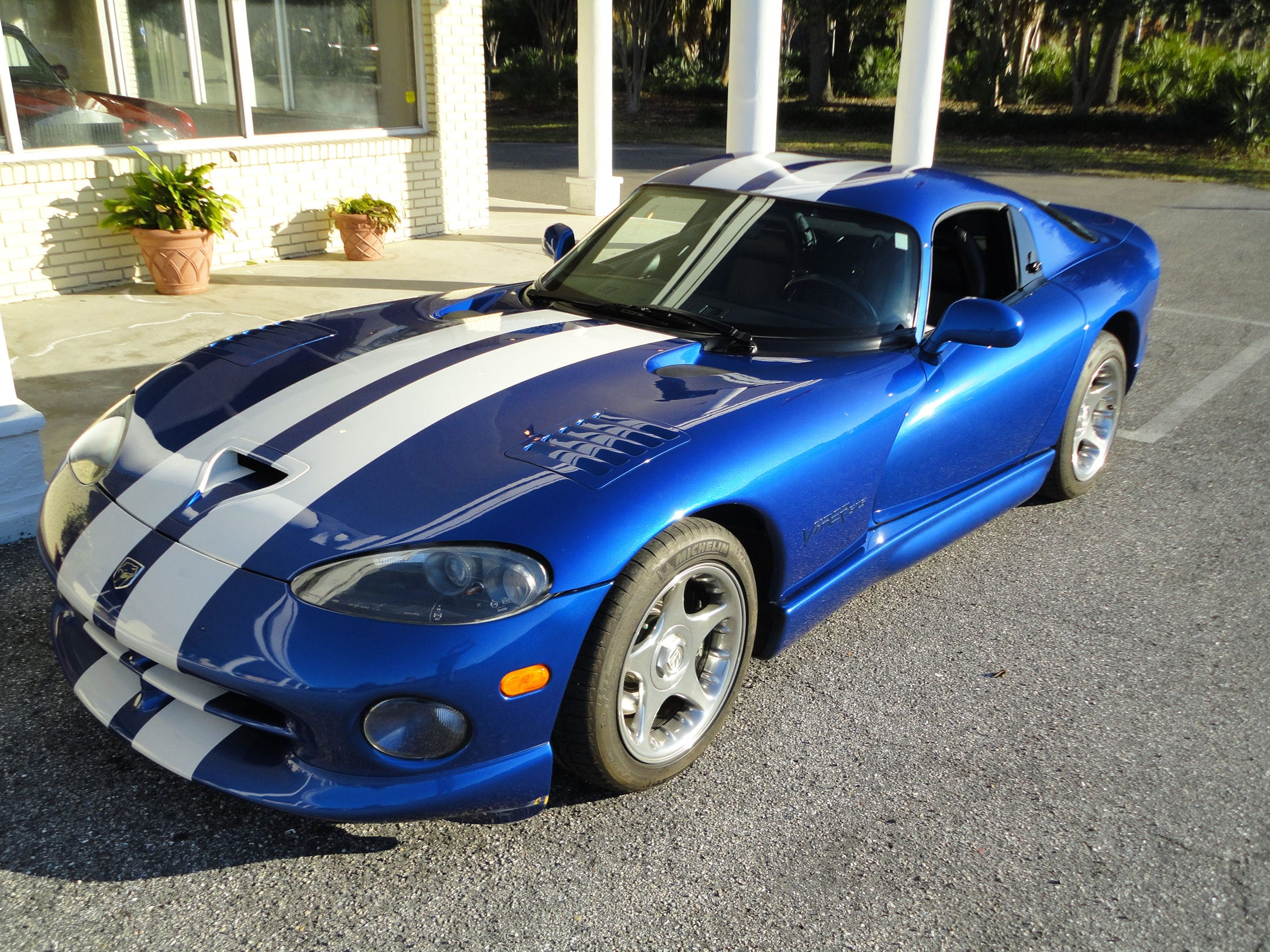 1996 Dodge Viper GTS Pictures