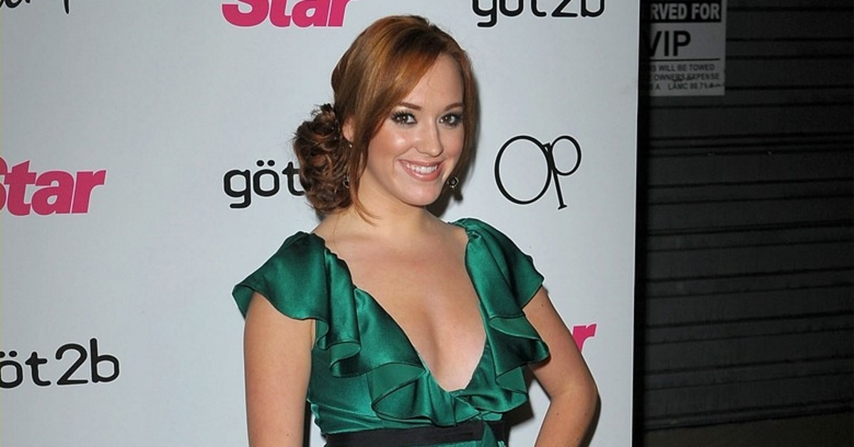 Andrea Bowen Screensavers