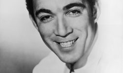 Anthony Quinn Pictures