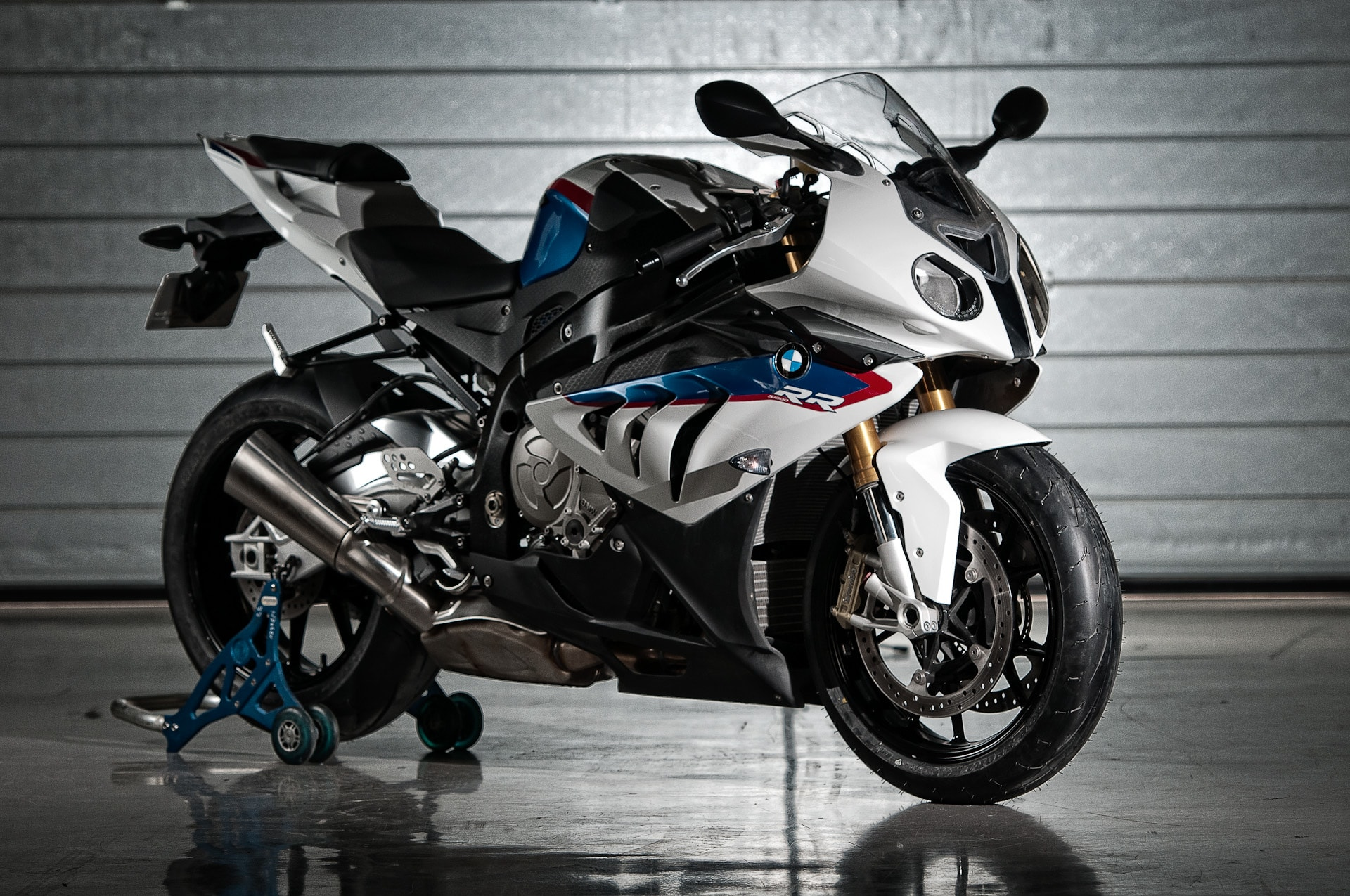 BMW S1000 RR Widescreen Wallpapers Pictures