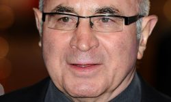 Bob Hoskins Pictures