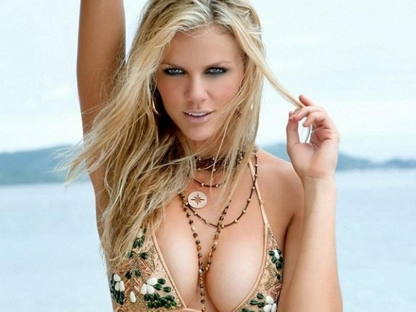 Brooklyn Decker Pictures