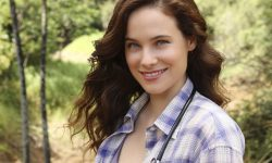 Caroline Dhavernas Pictures