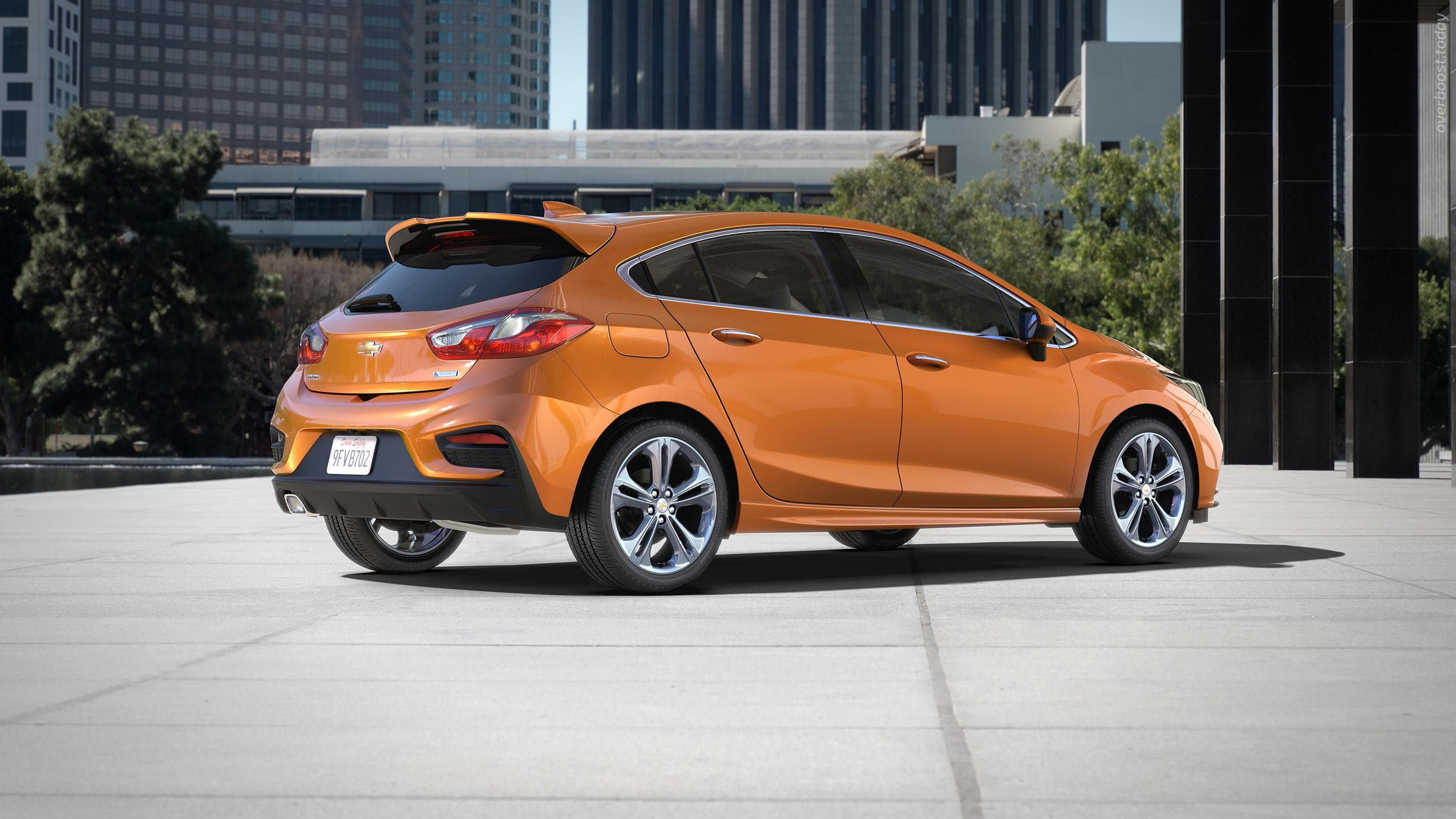 Chevrolet Cruze 2 Hatchback Pictures