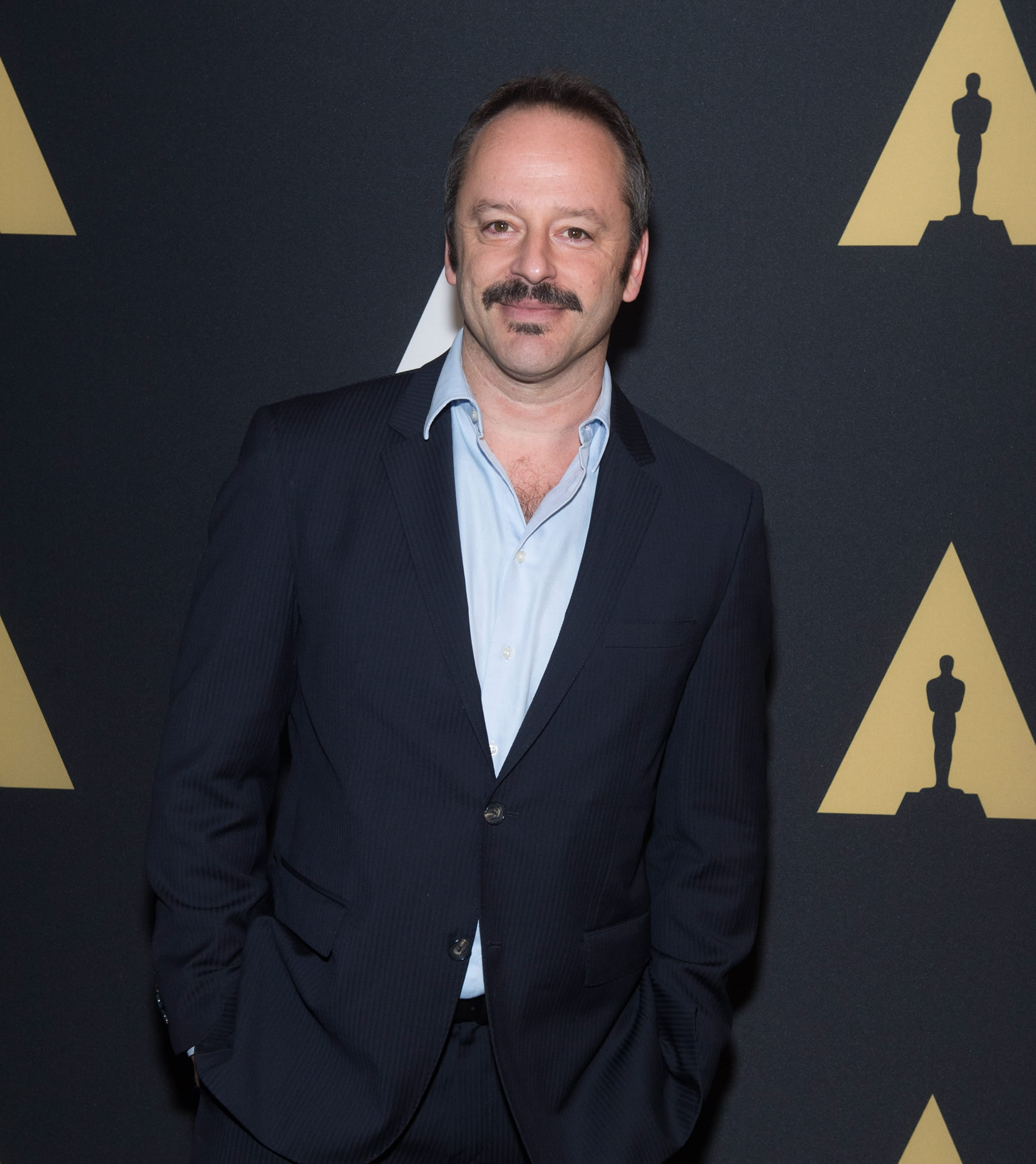 Gil Bellows Pictures