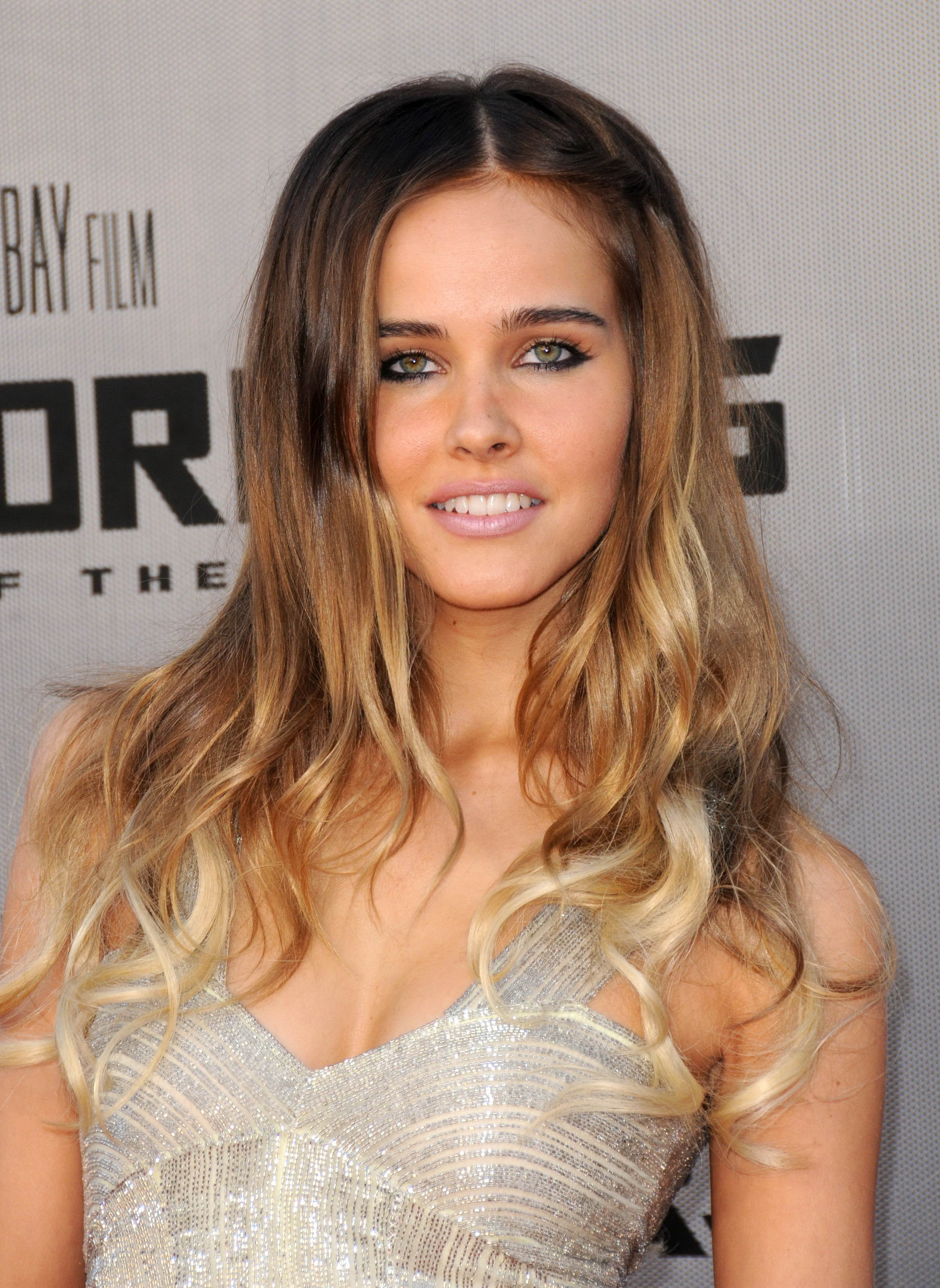 Isabel Lucas Pictures