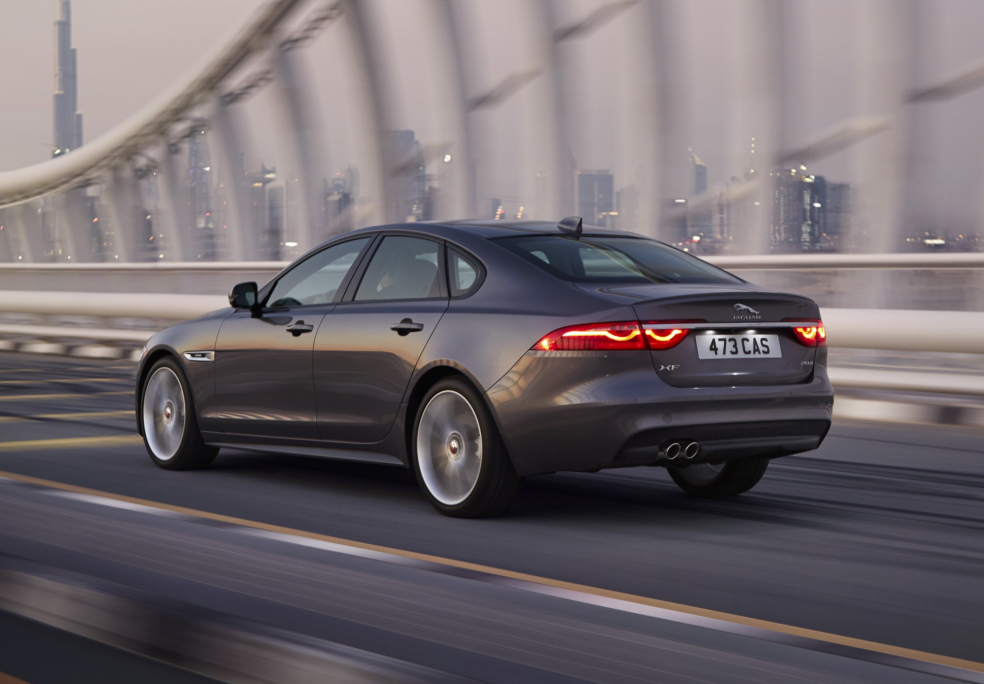 Jaguar XF 2 Pictures