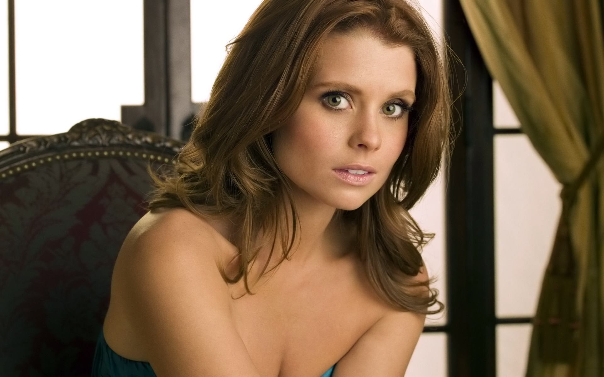 Joanna Garcia Pictures