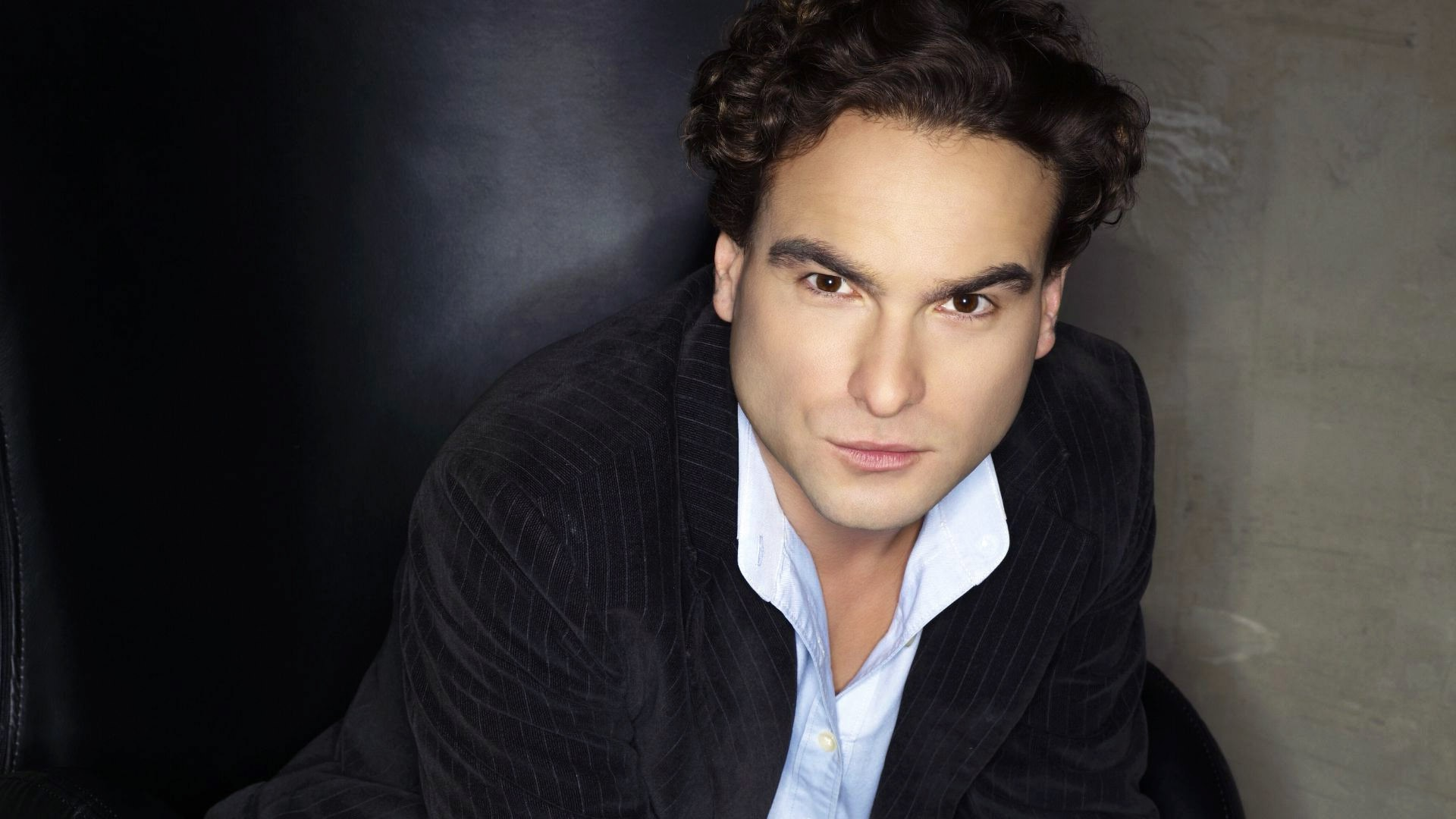 Johnny Galecki Pictures