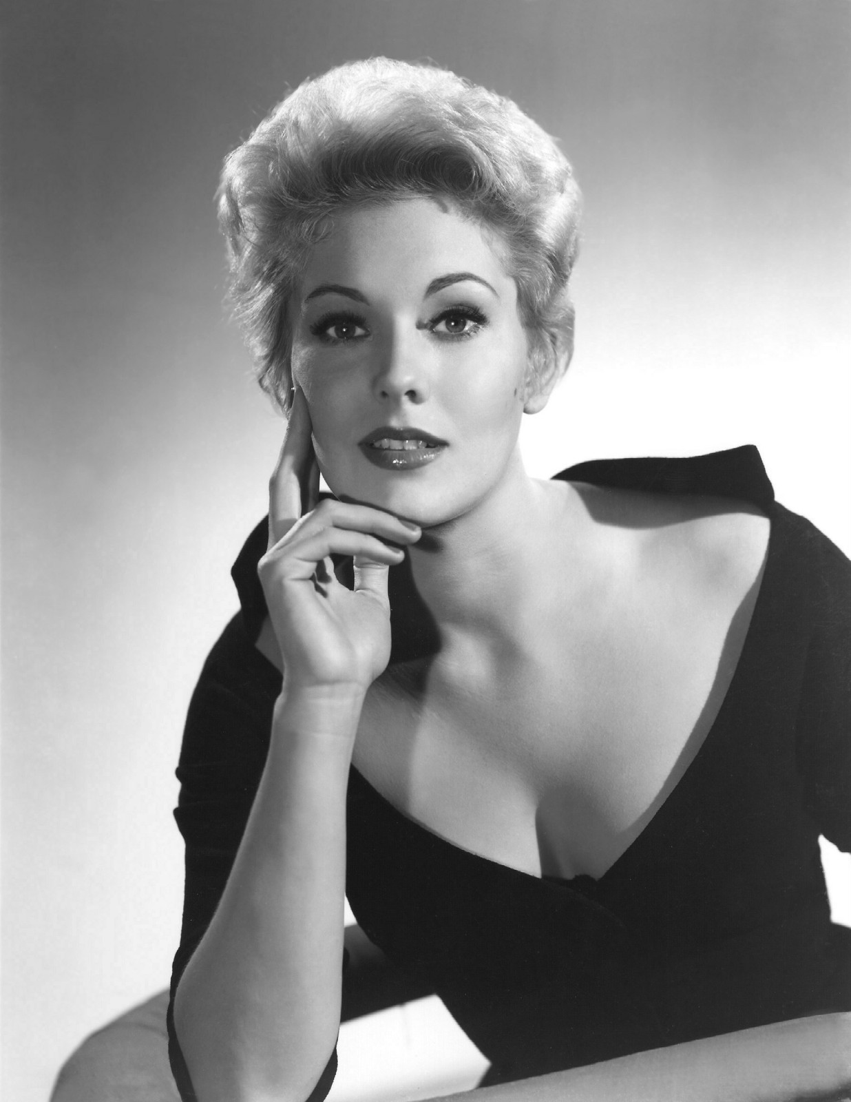 Kim Novak Pictures