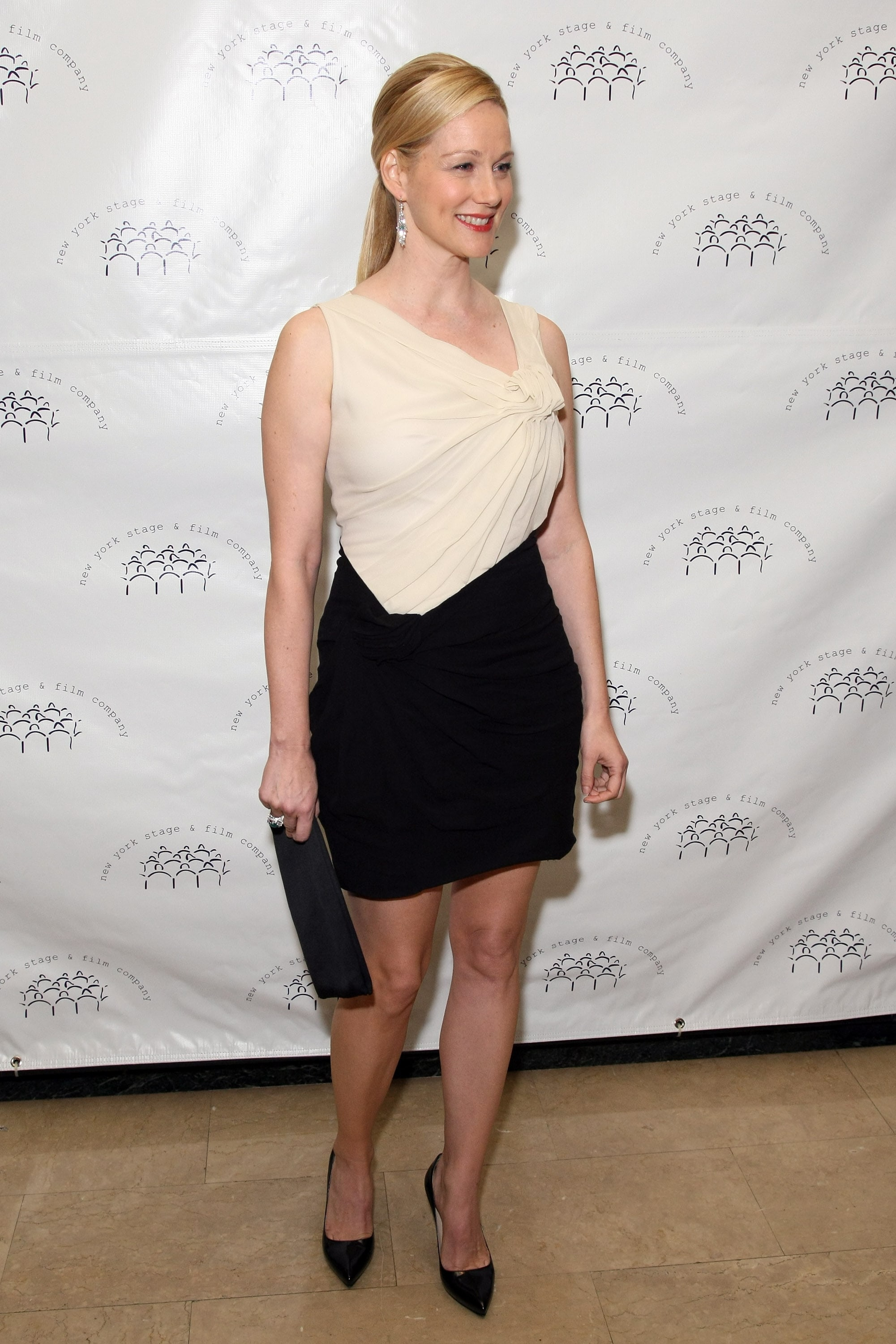 Laura Linney Pictures