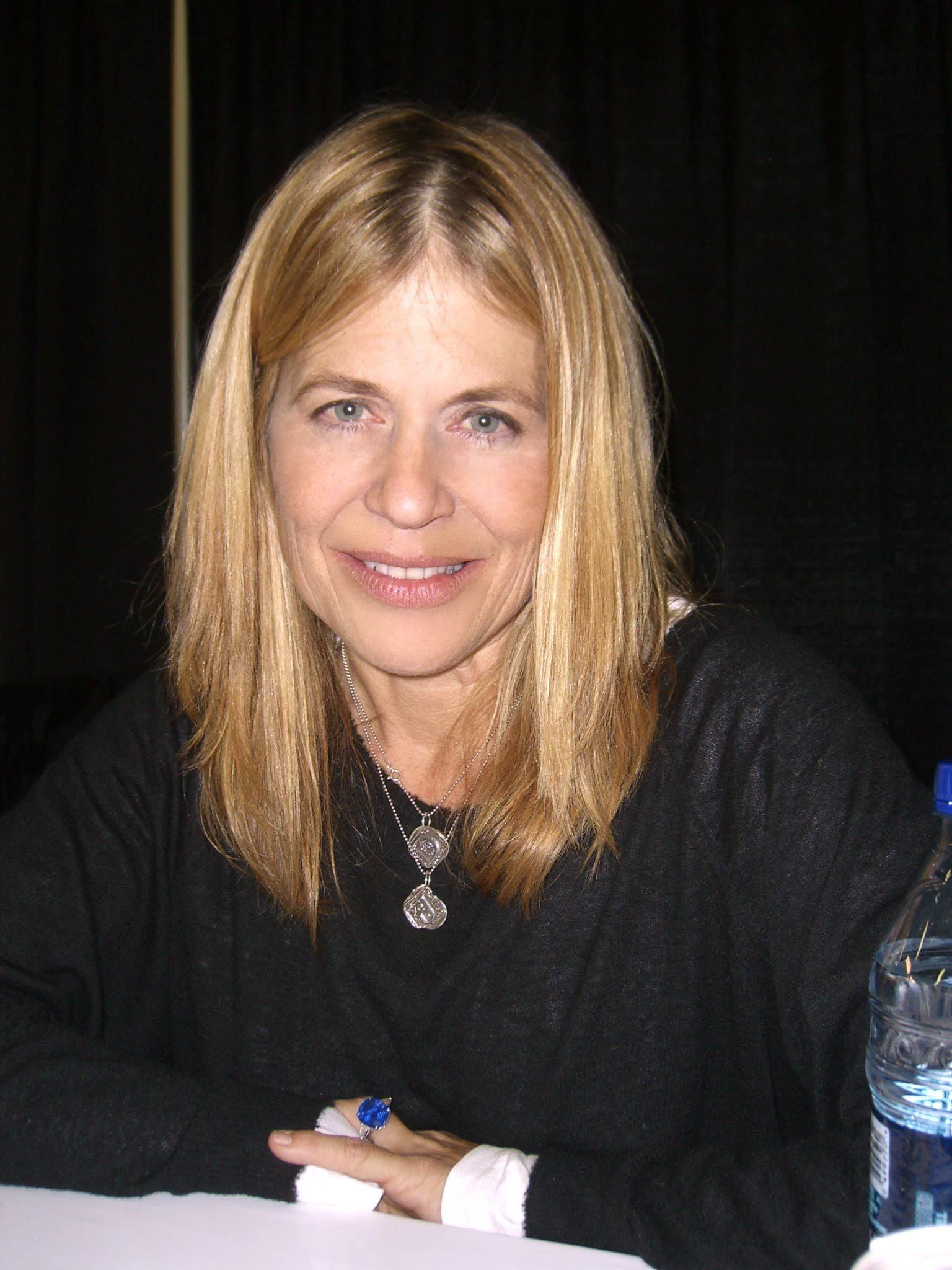 Linda Hamilton Pictures