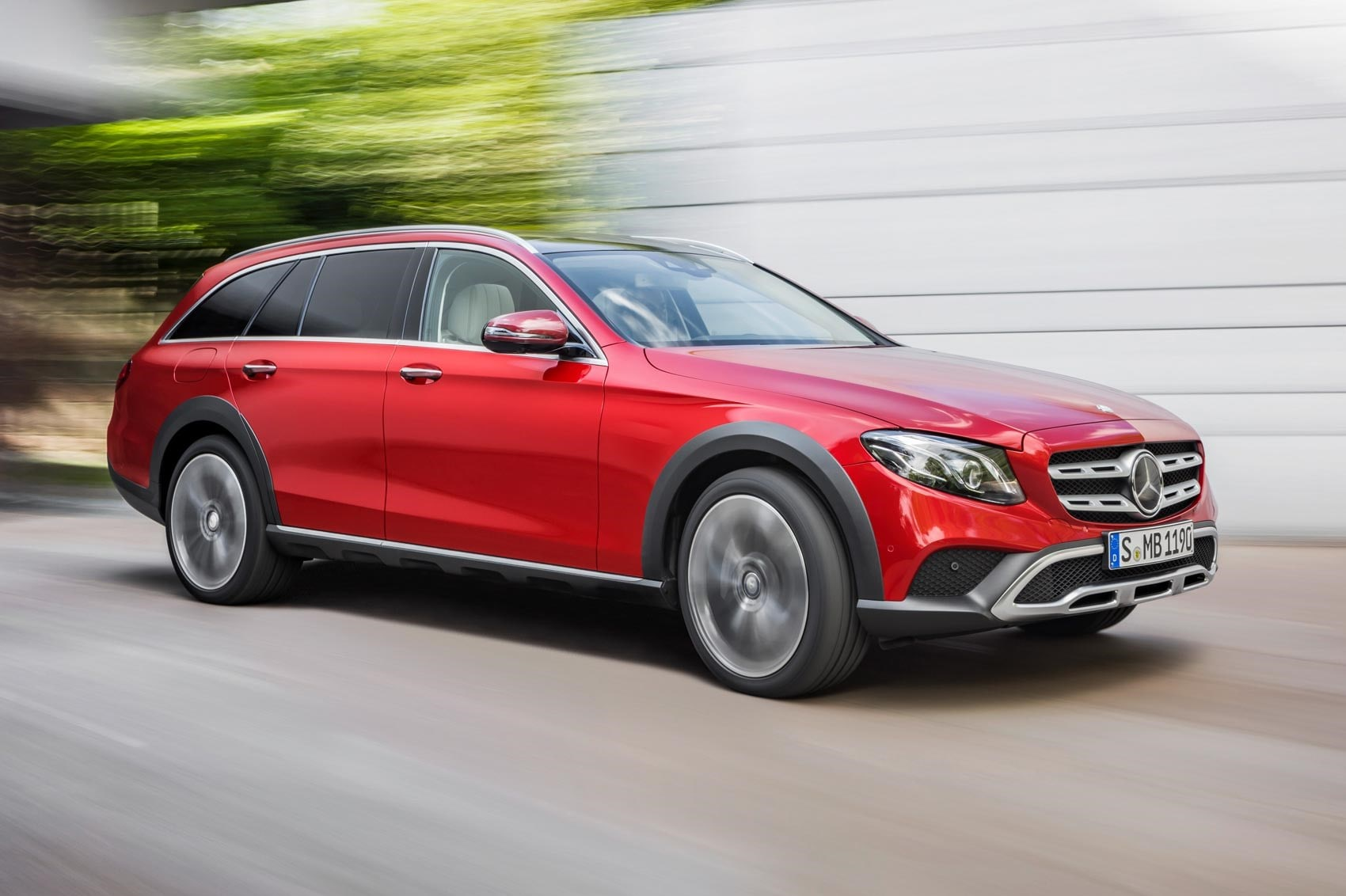 Mercedes E-Class All-Terrain Pictures