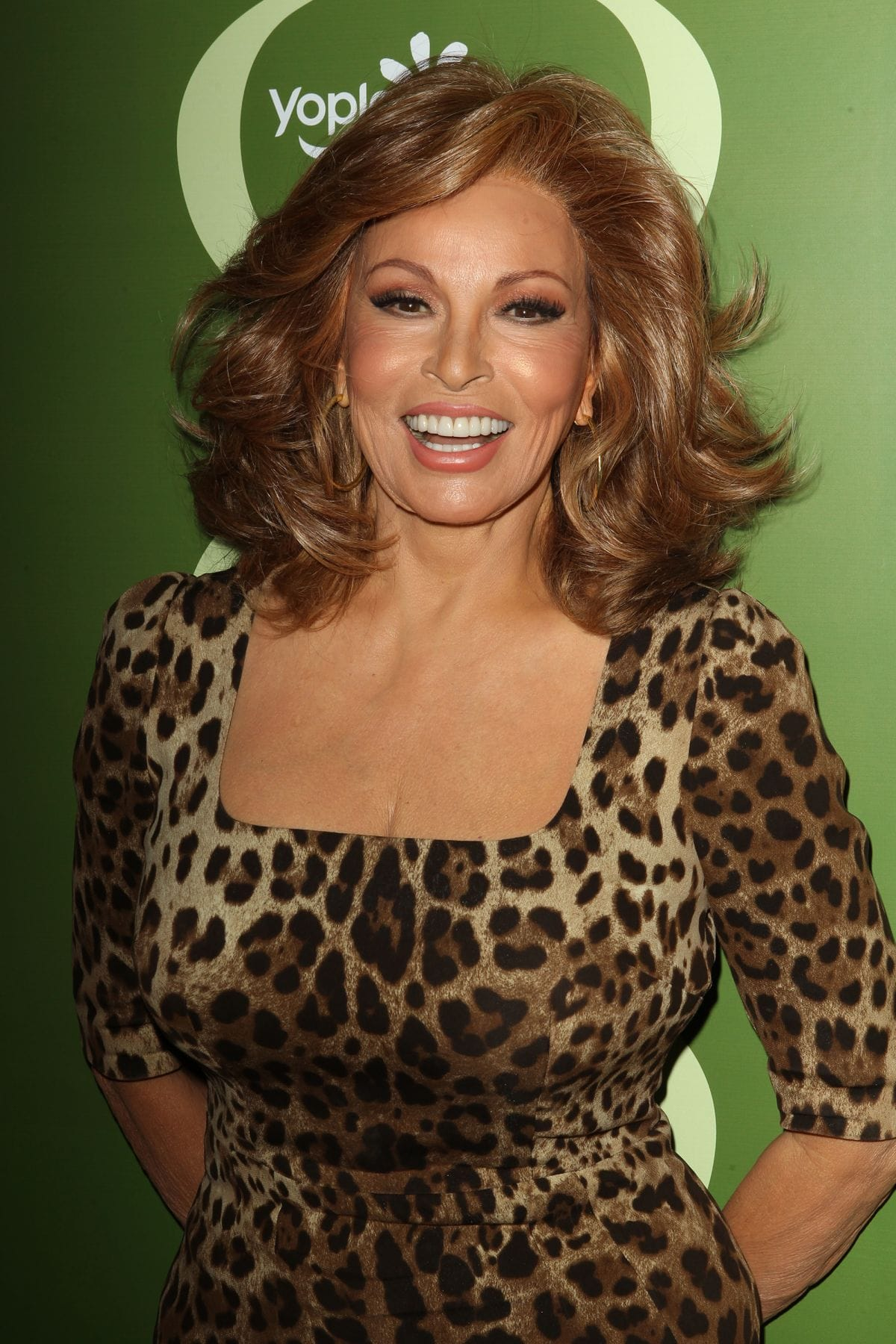 Raquel Welch Pictures