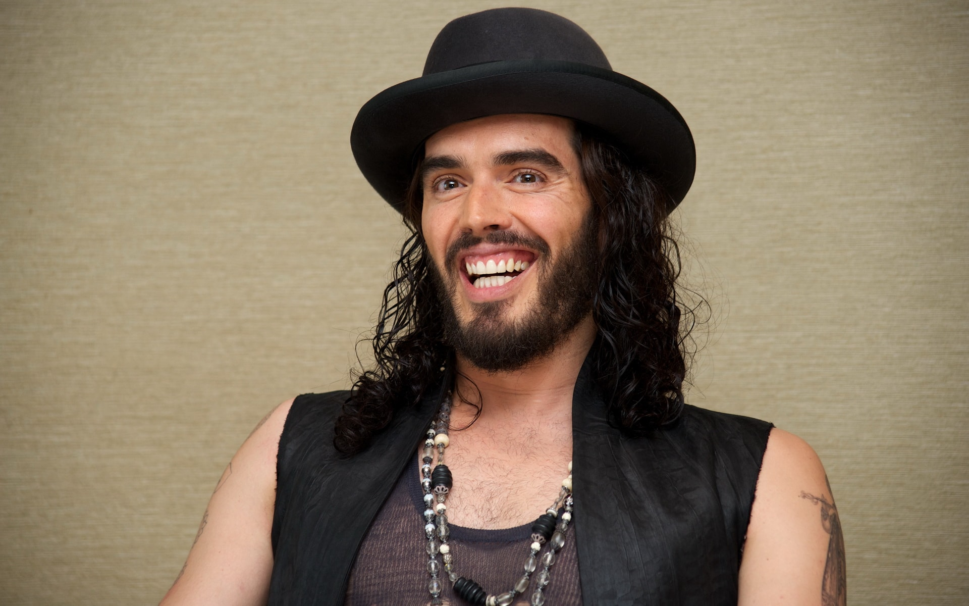 Russell Brand Pictures
