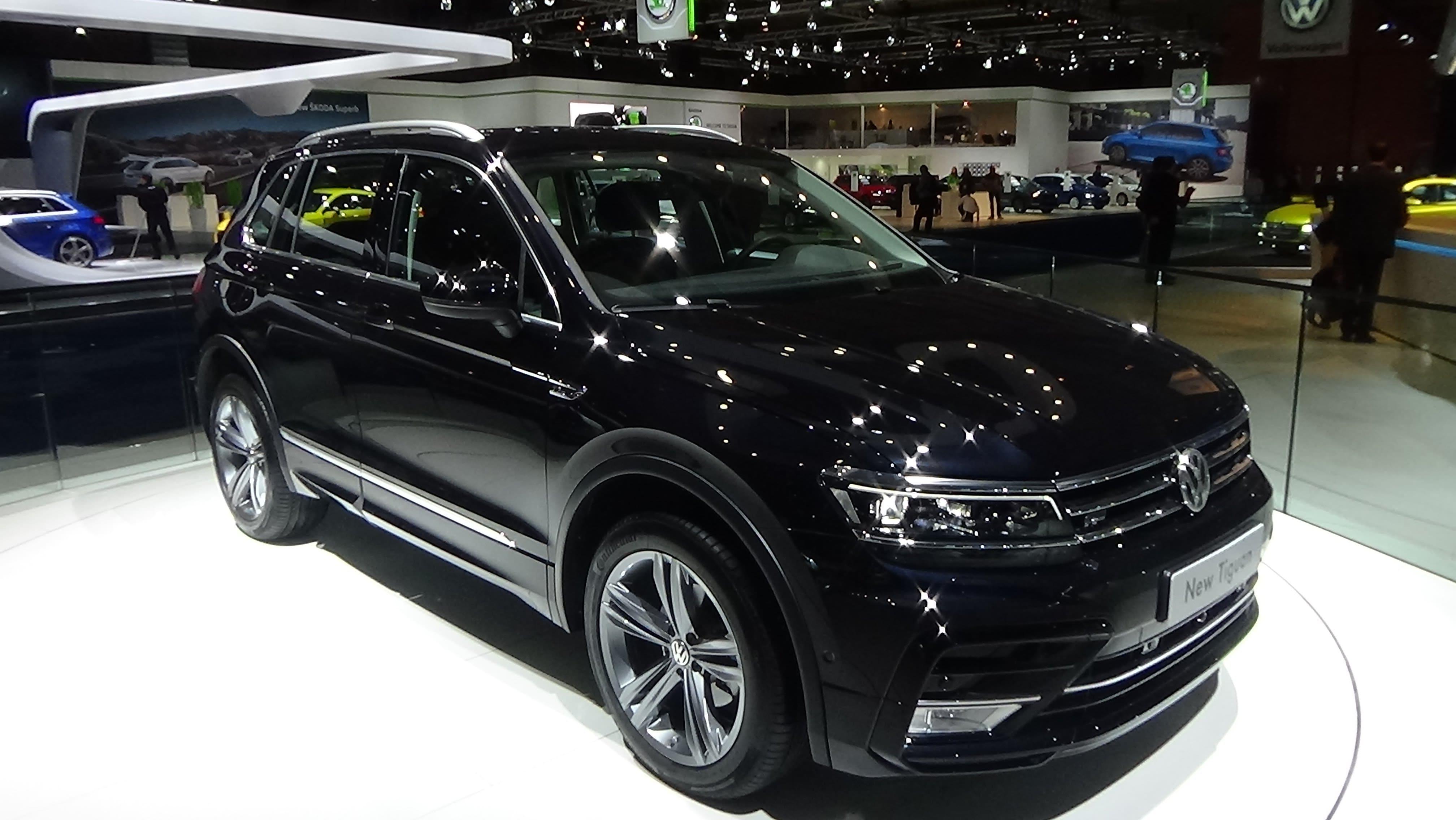 Volkswagen Tiguan 2 Pictures