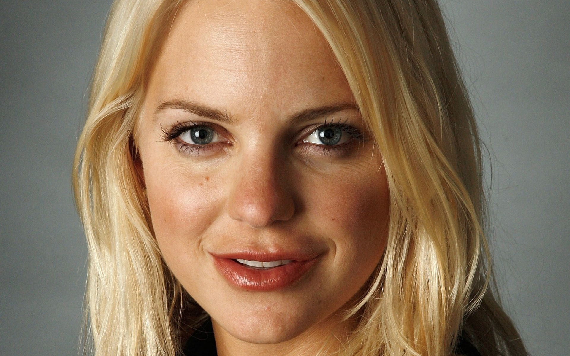 Anna Faris HQ wallpapers